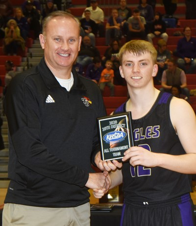CHS junior Arren Hash is named to the all-tournament team.