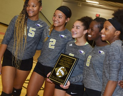 From left, CHS freshman Antaya Epps, sophomore Alexis Thomas, junior Laci Hodgens and sophomores Myricle Gholston and Bri Gowdy smile with their championship plaque.