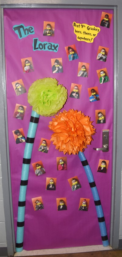 Ces Teachers Compete In Door Decorating Contest As Part Of Read