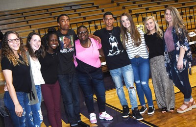 CHS students smile together on their first day of school. From left are seniors Taliyah Hazelwood and Zoe McAninch, sophomore Myricle Gholston, seniors Lathan Cubit, Ashalique Adams and Mikael Vaught and juniors Kenzi Forbis, Carly Adams and Taylor Knight.
