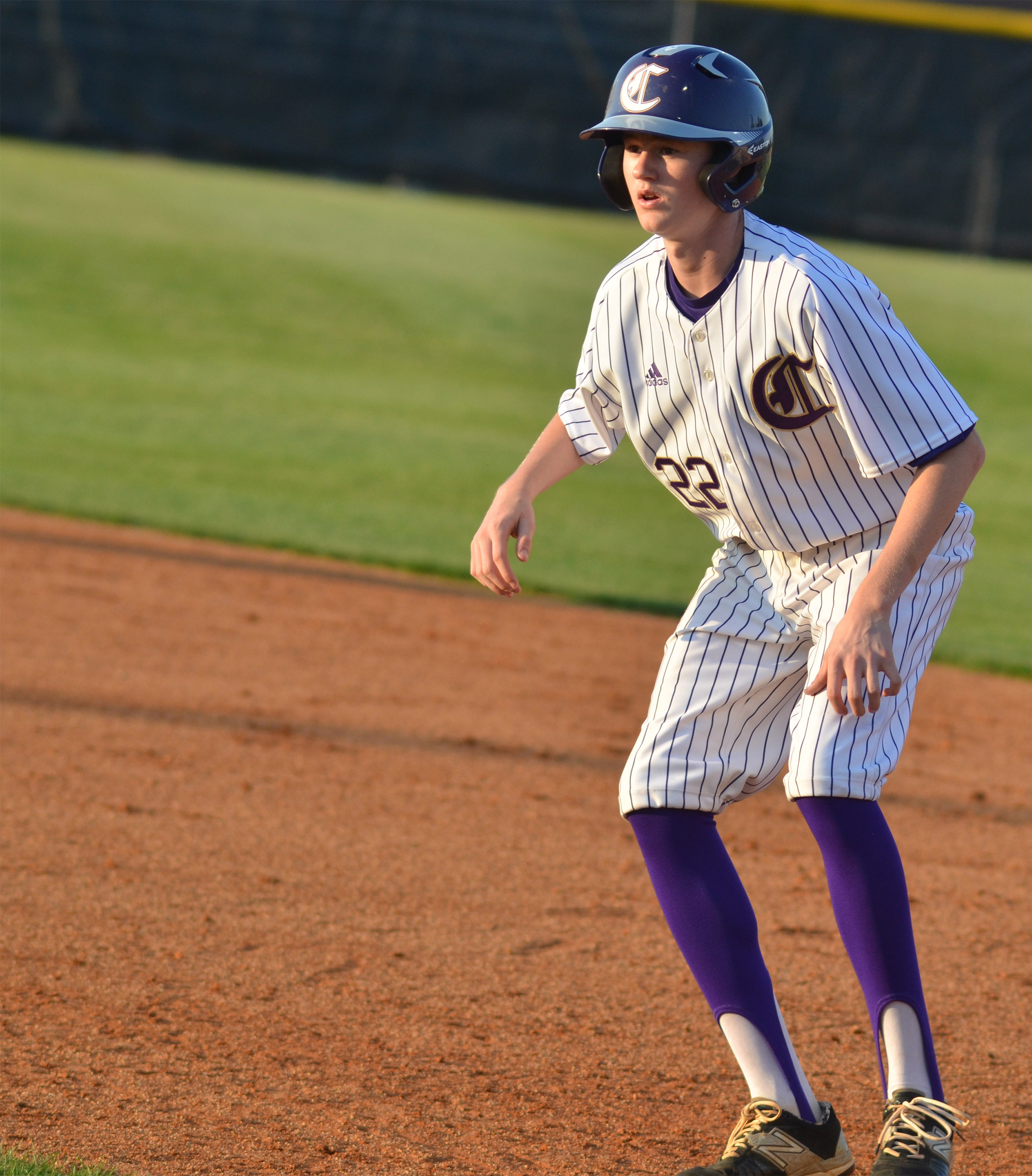 Campbellsville Middle School eighth-grader Tristin Faulkner looks to head to second.