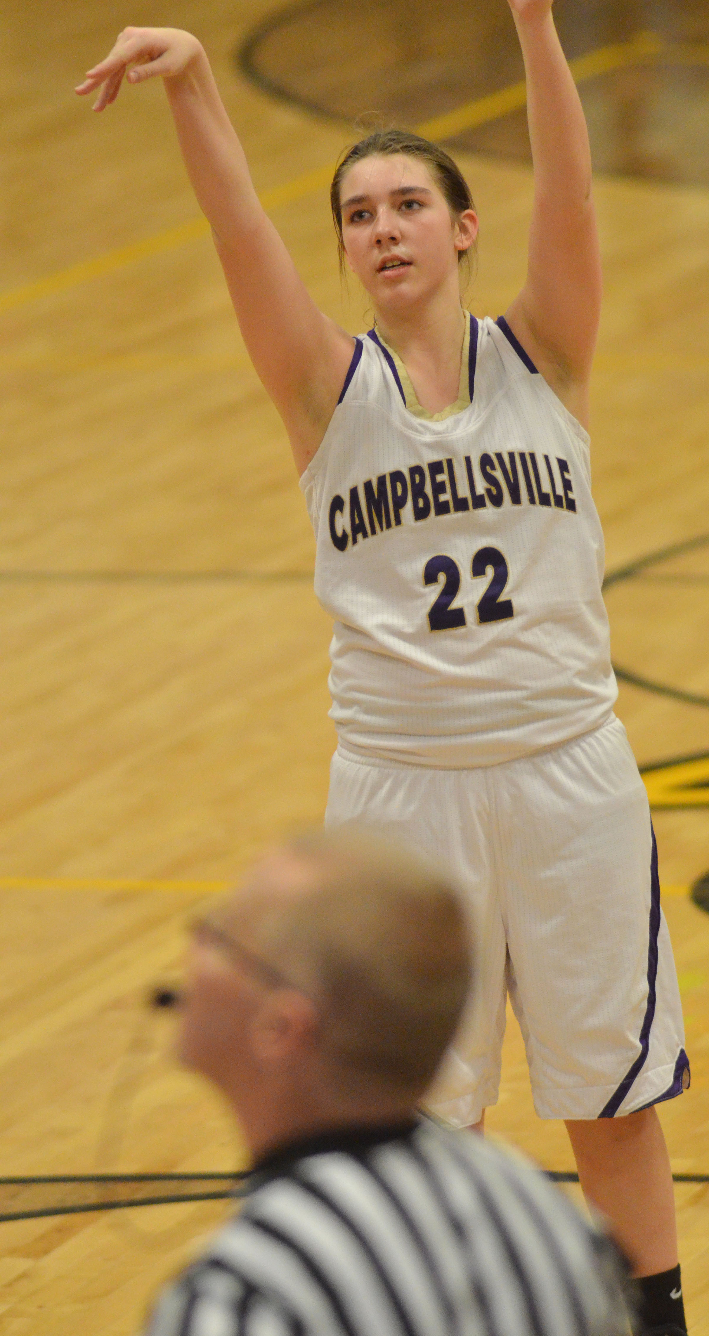 Campbellsville Middle School eighth-grader Abi Wiedewitsch shoots the ball.