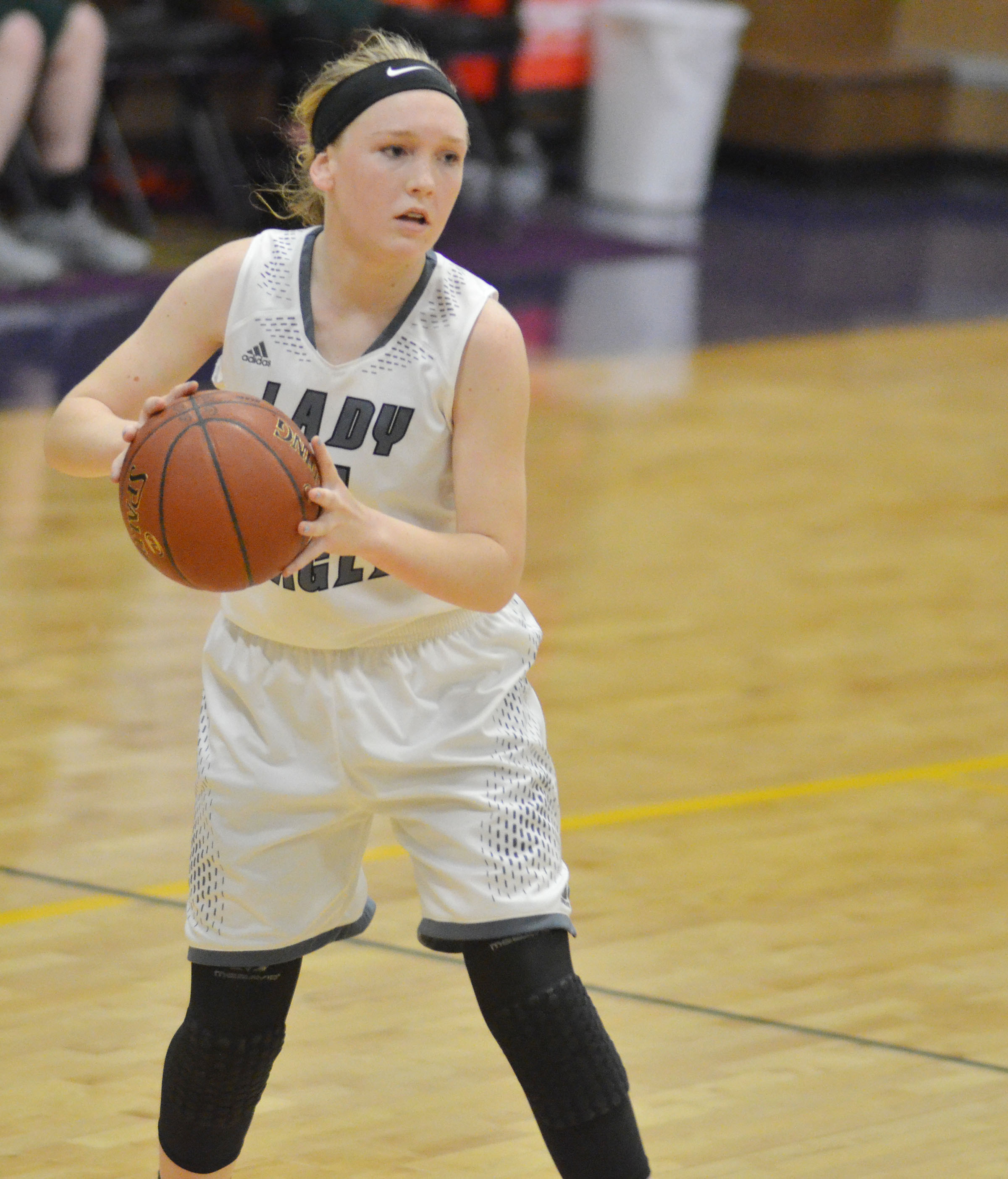 Campbellsville Middle School eighth-grader Catlyn Clausen passes.