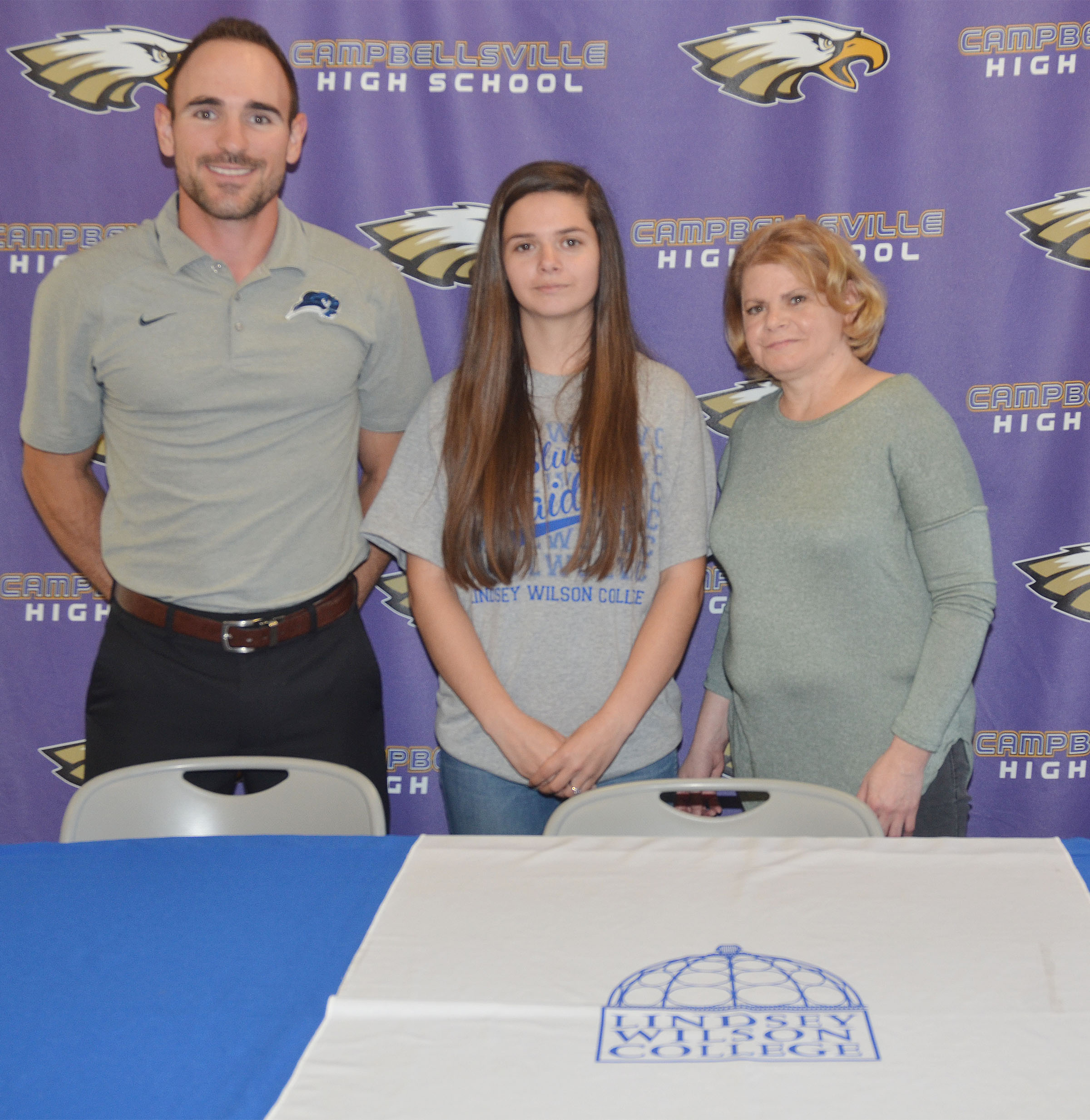 Campbellsville High School senior Shauna Jones will continue her academic and tennis career at Lindsey Wilson College this fall. She is pictured with LWC head coach Marlon Dal Pont, at left, and her mother Dana Pearl.
