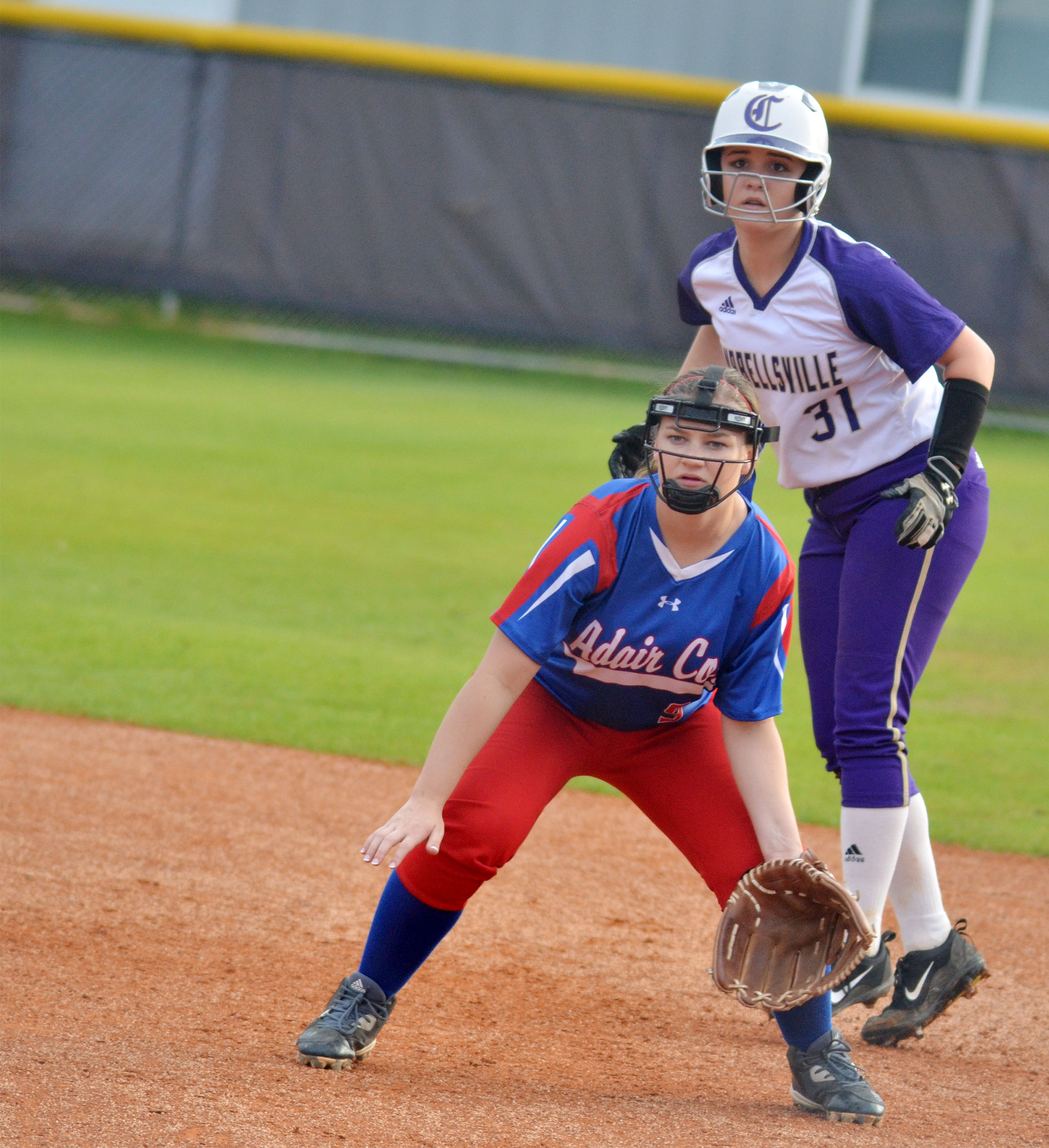 Campbellsville Middle School eighth-grader Kenzi Forbis looks to go to second.
