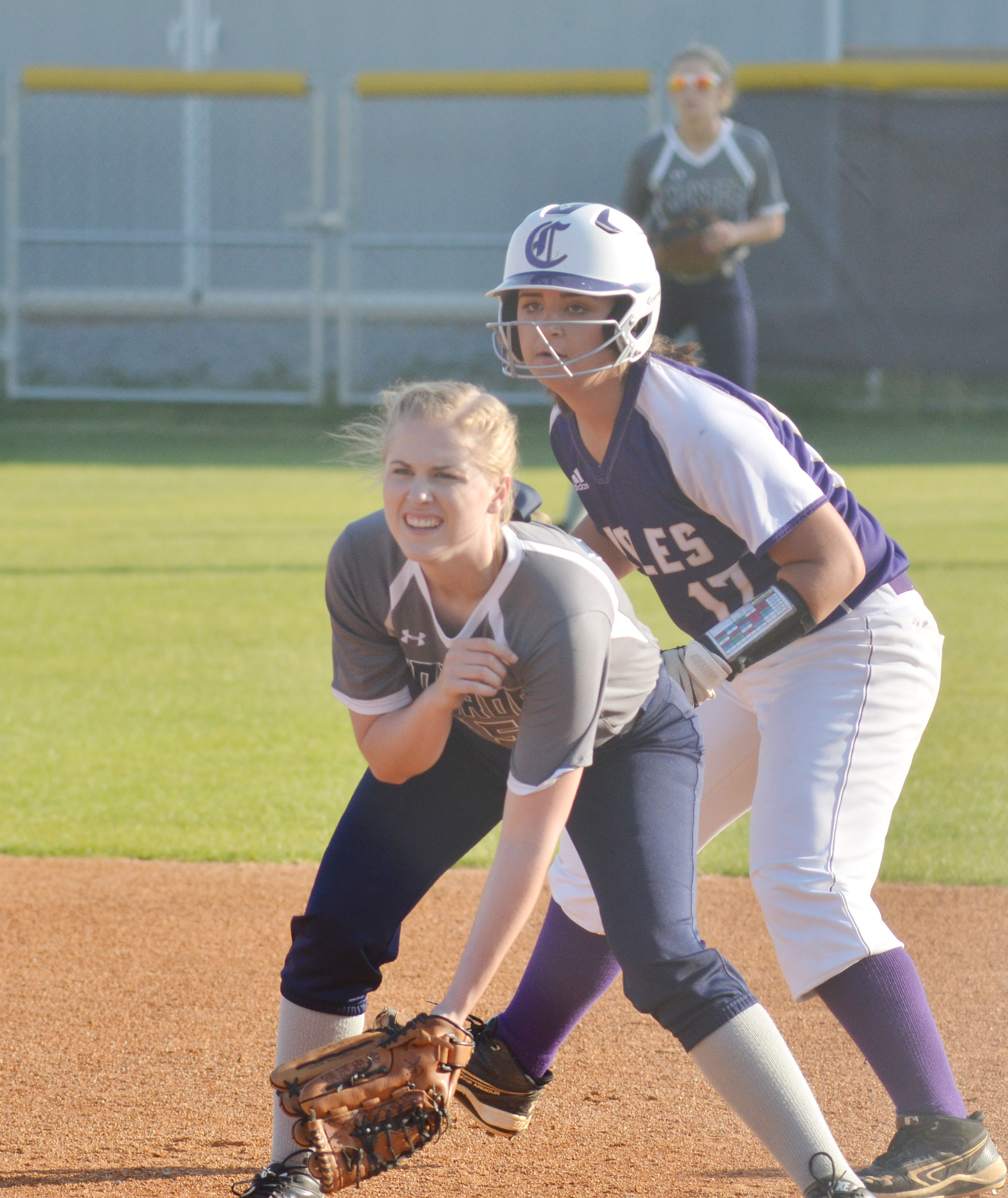 CHS senior Kailey Morris looks to steal second.