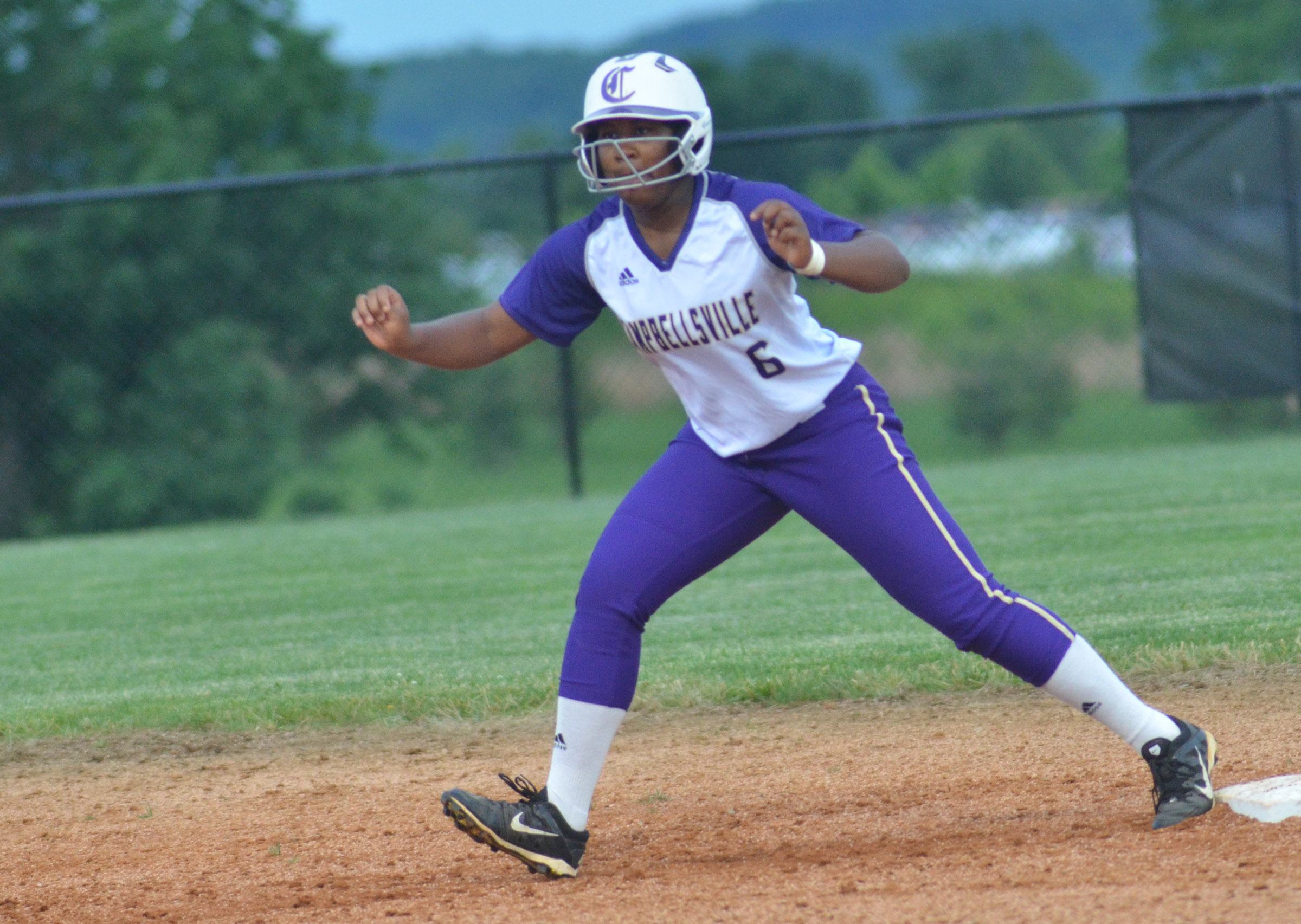 CHS junior Kiyah Barnett looks to steal third.