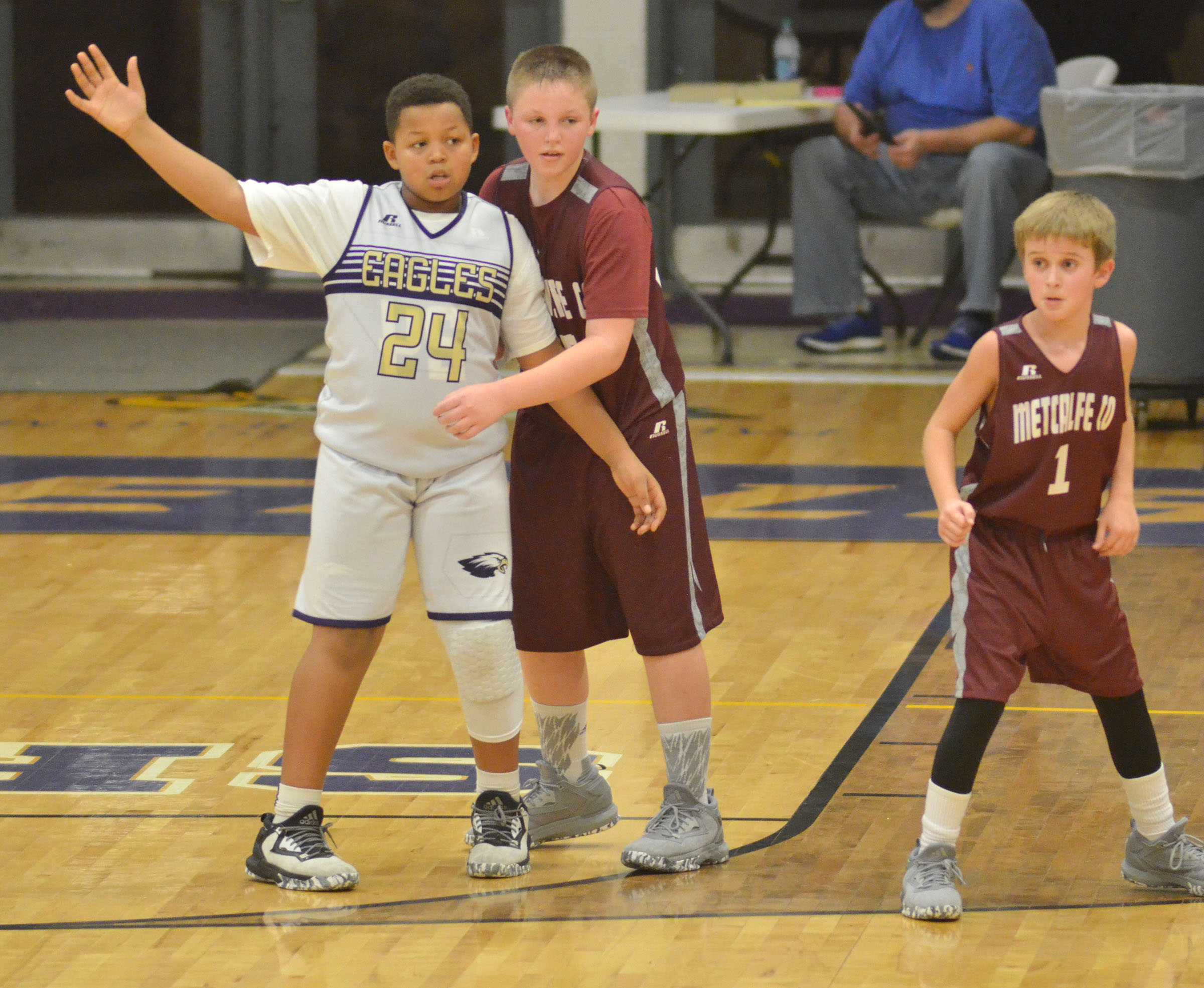 CMS sixth-grader Deondre Weathers calls for the ball.