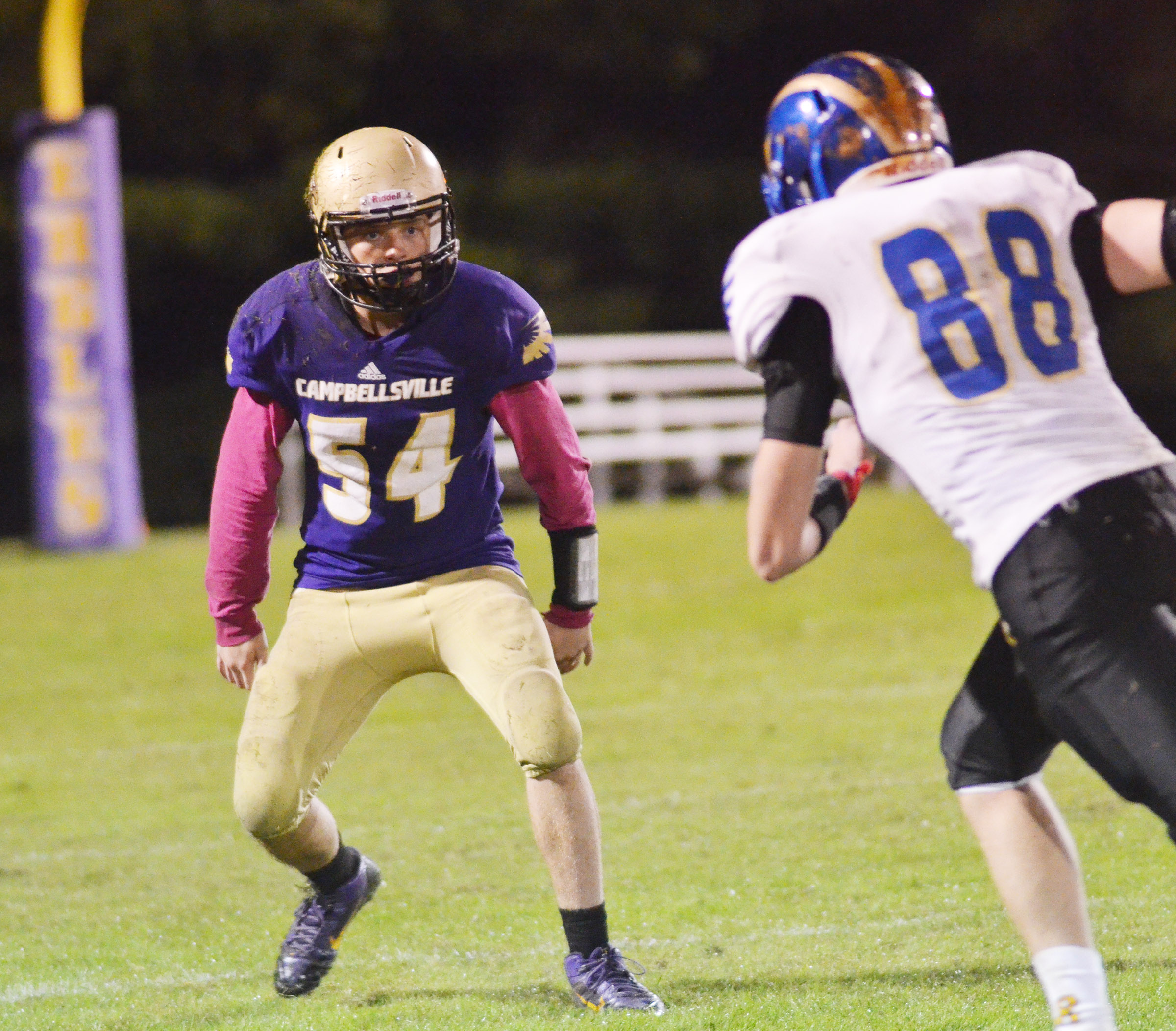CHS sophomore Dakota Reardon gets ready to tackle.