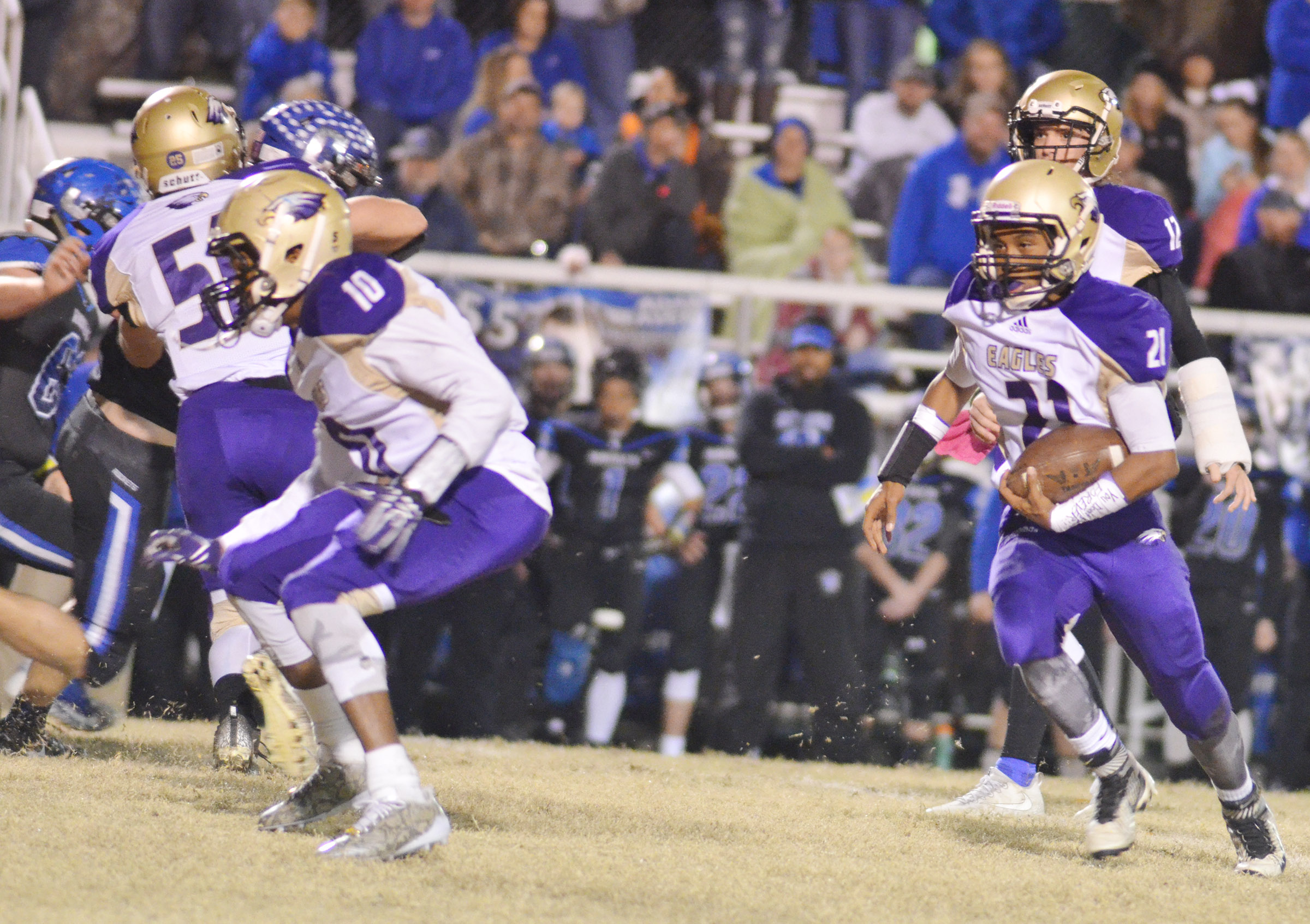 CHS junior Daesean Vancleave runs the ball.