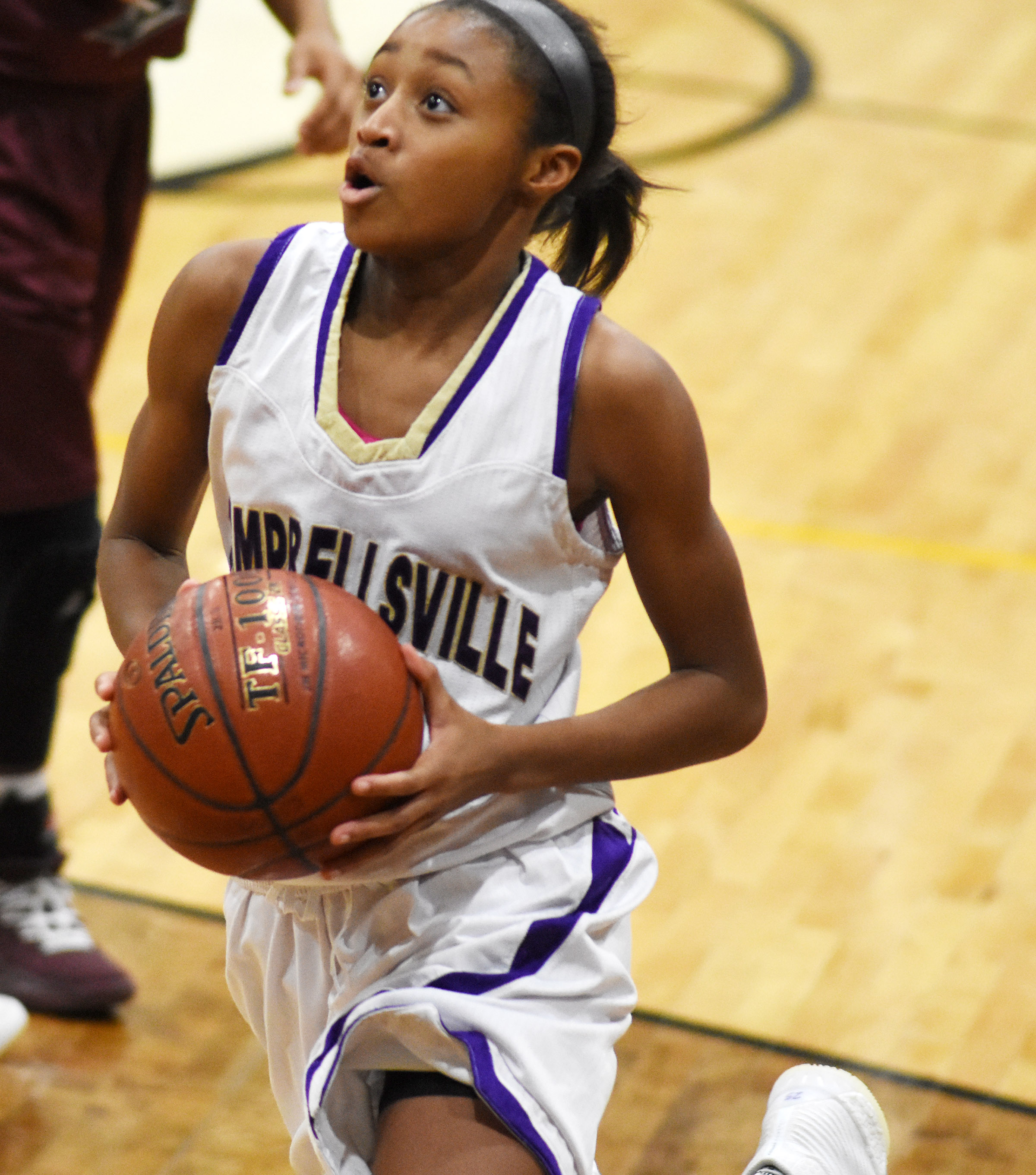 Campbellsville Middle School eighth-grader Bri Gowdy scores.