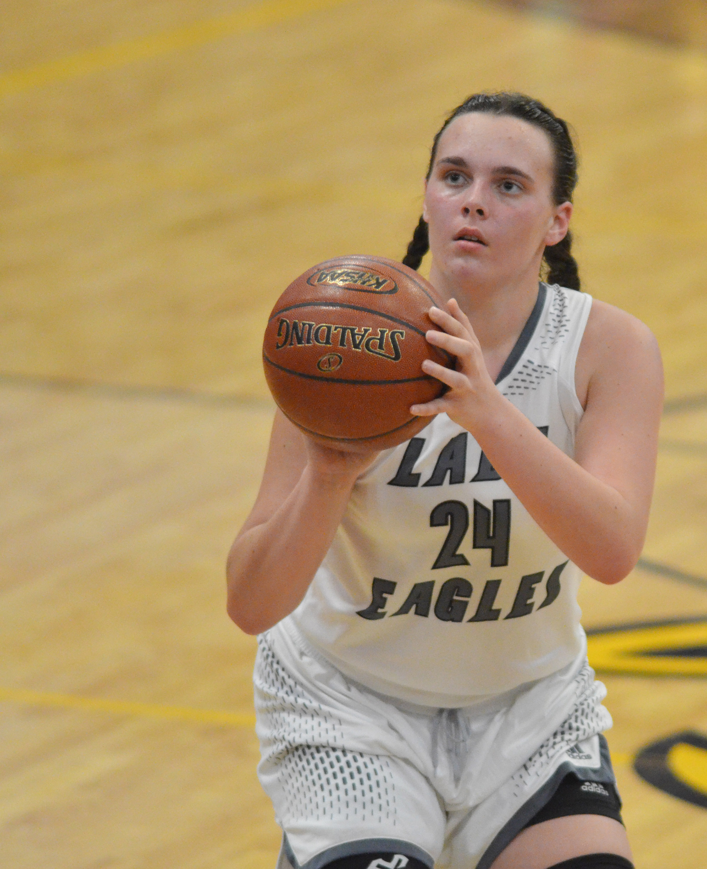 CHS sophomore Katelyn Miller shoots the ball.