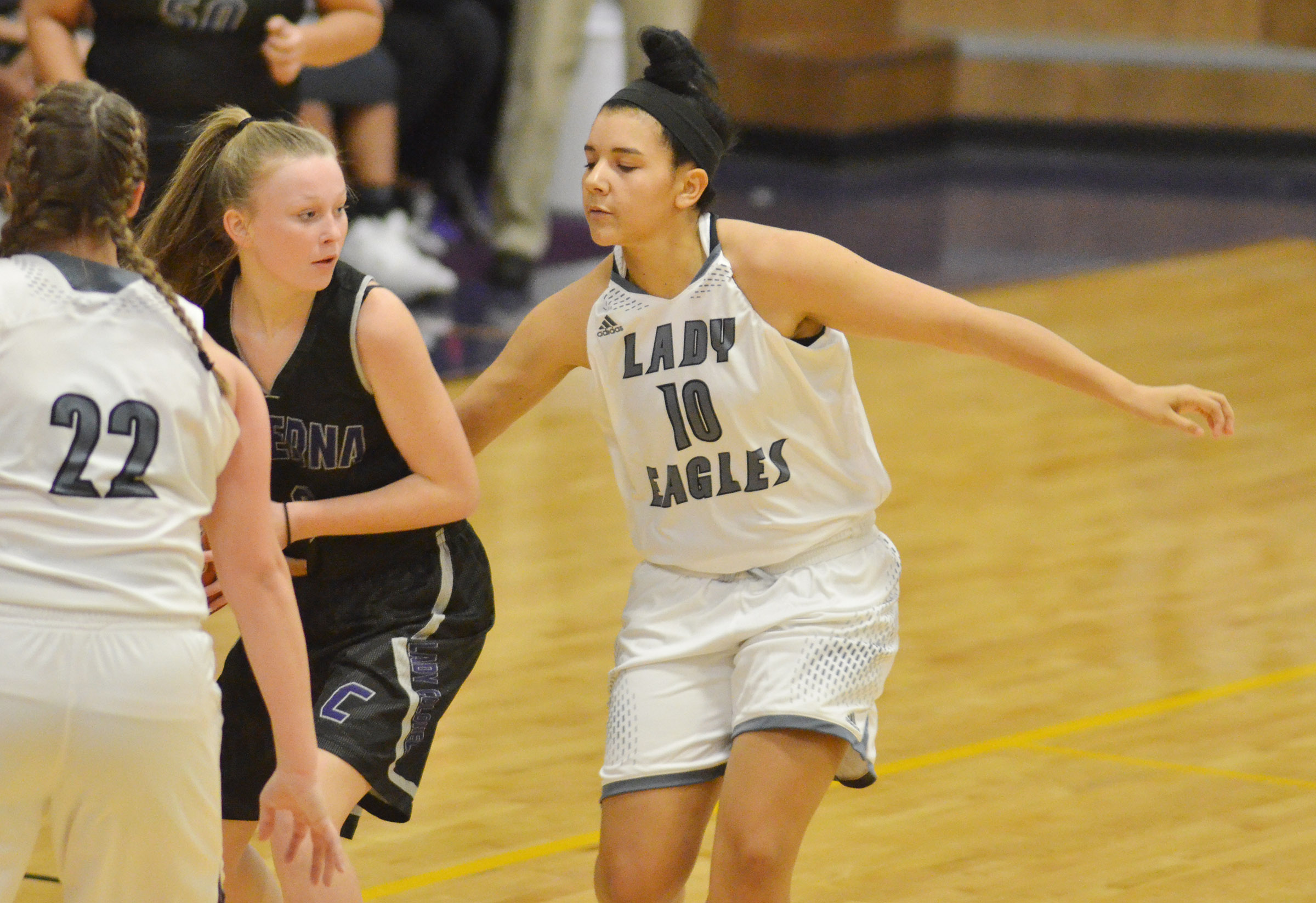 CHS junior Kalisha Murphy plays defense.