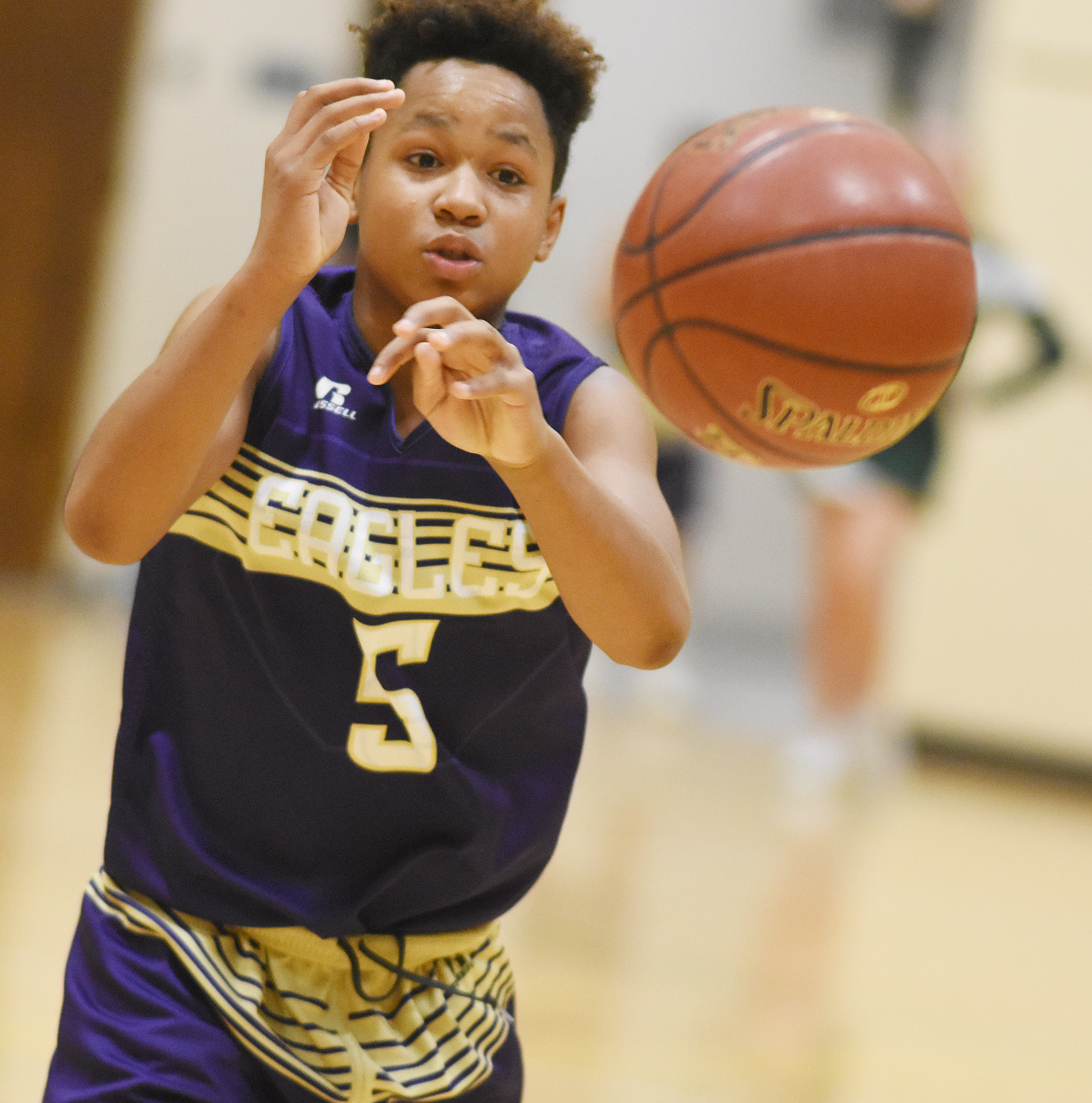CMS seventh-grader Deondre Weathers passes.
