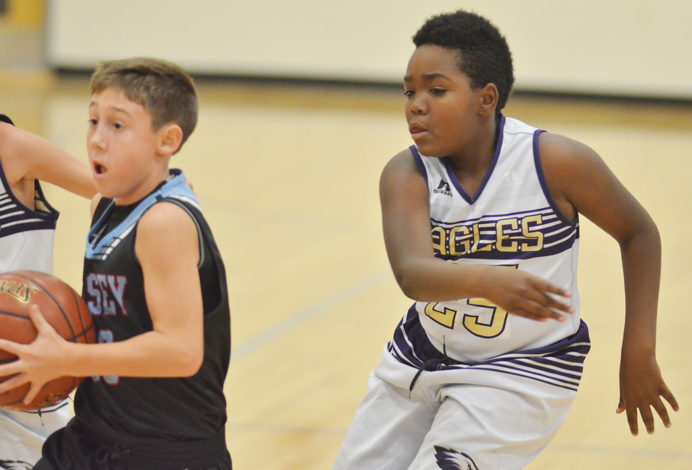 Campbellsville Elementary School fifth-grader KeKe Miller plays defense.