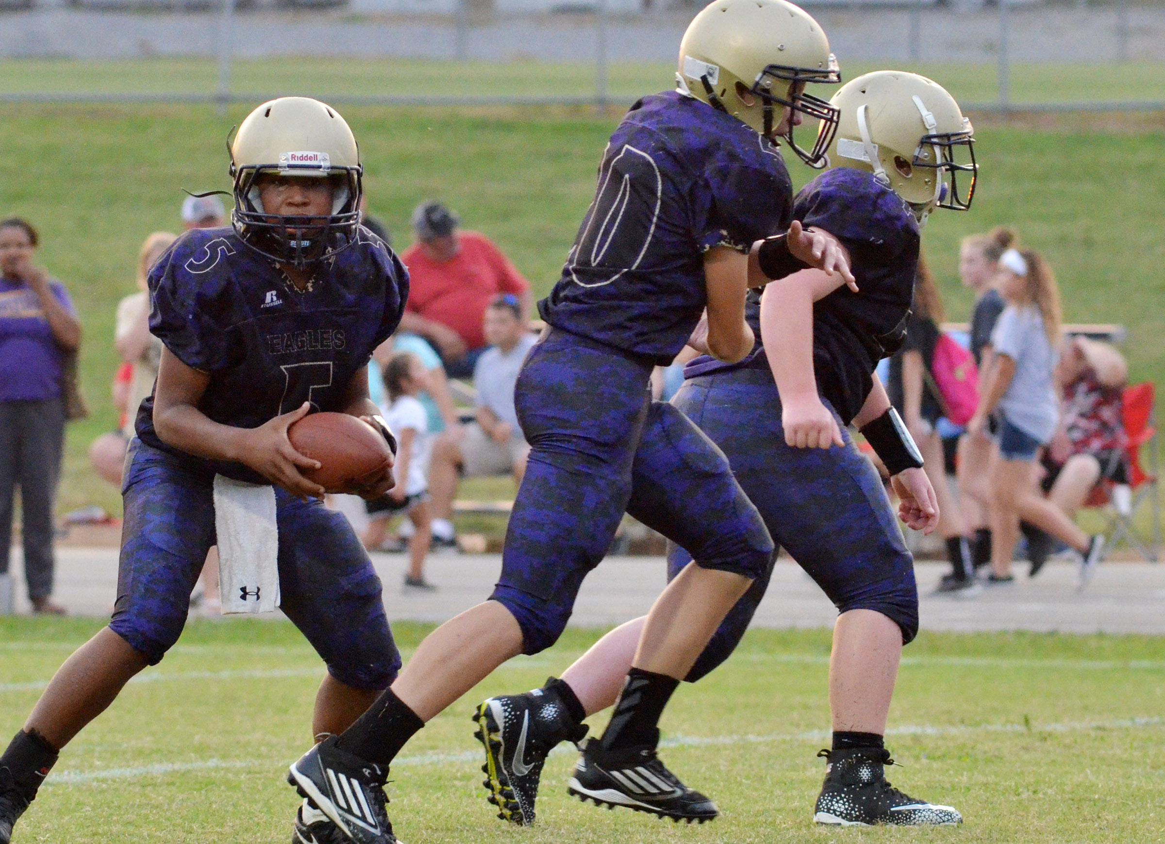 CMS seventh-grader Deondre Weathers looks to pass.
