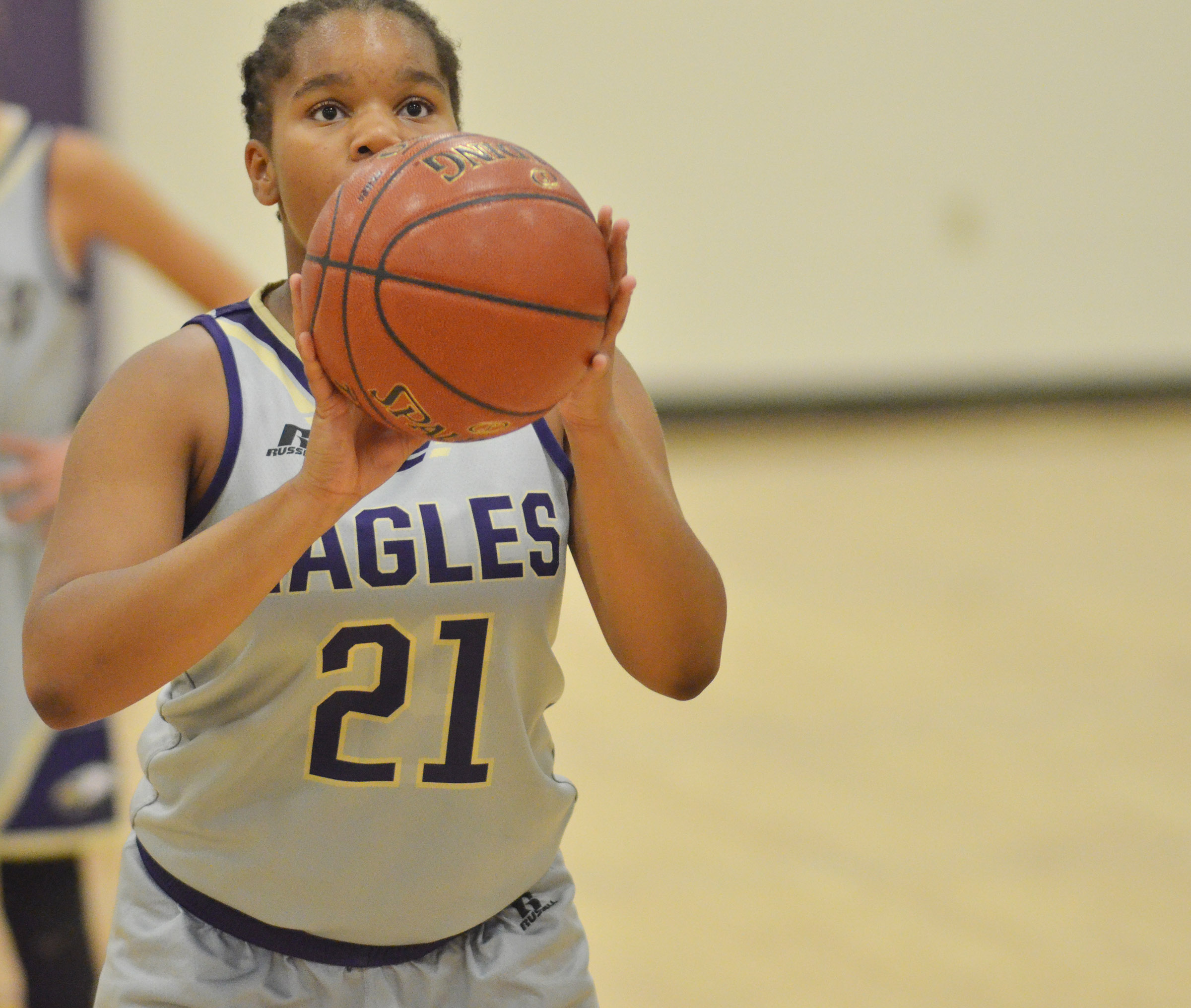 CMS Antaya Epps shoots the ball.