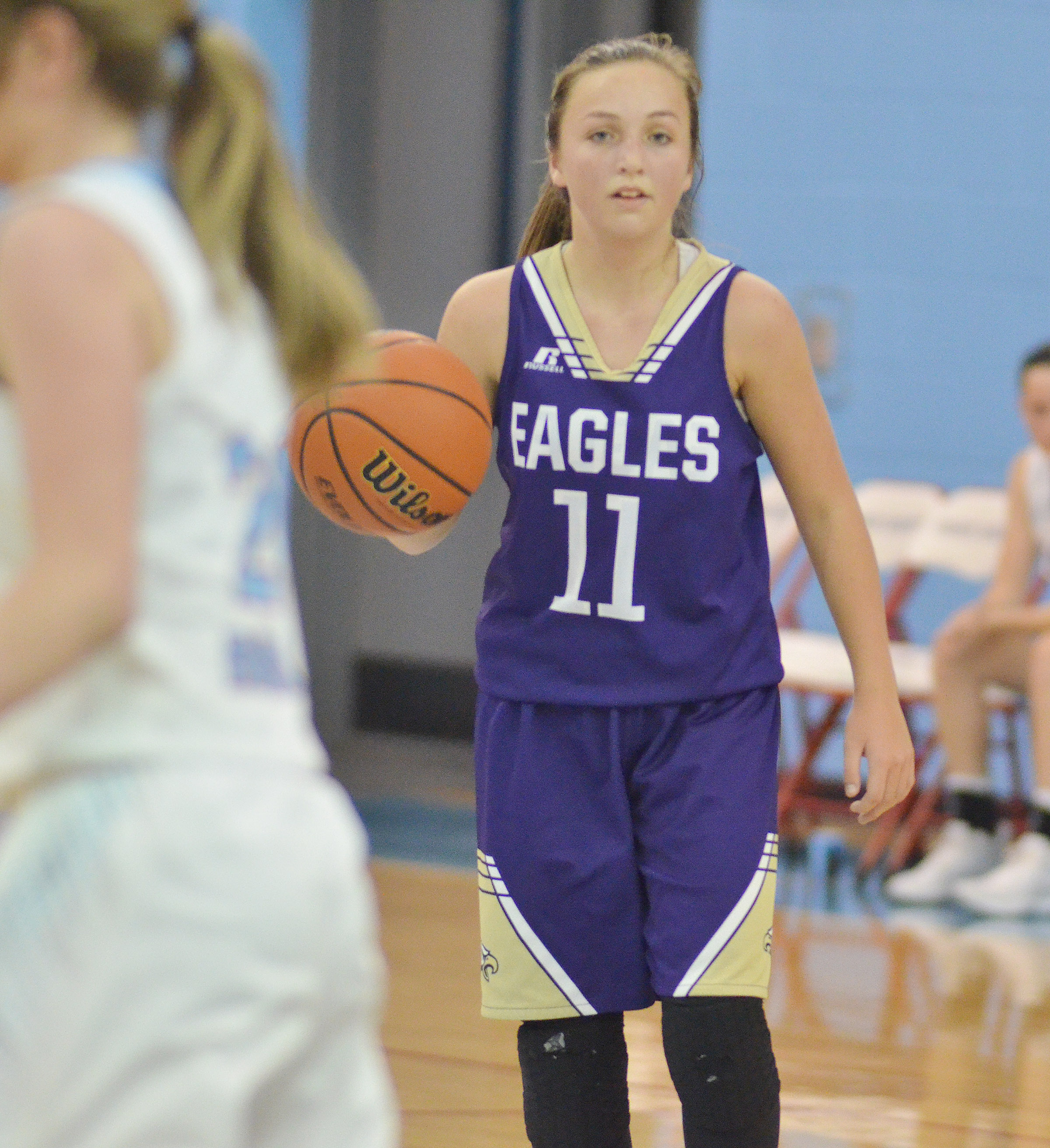CMS eighth-grader Lainey Watson looks for a teammate.