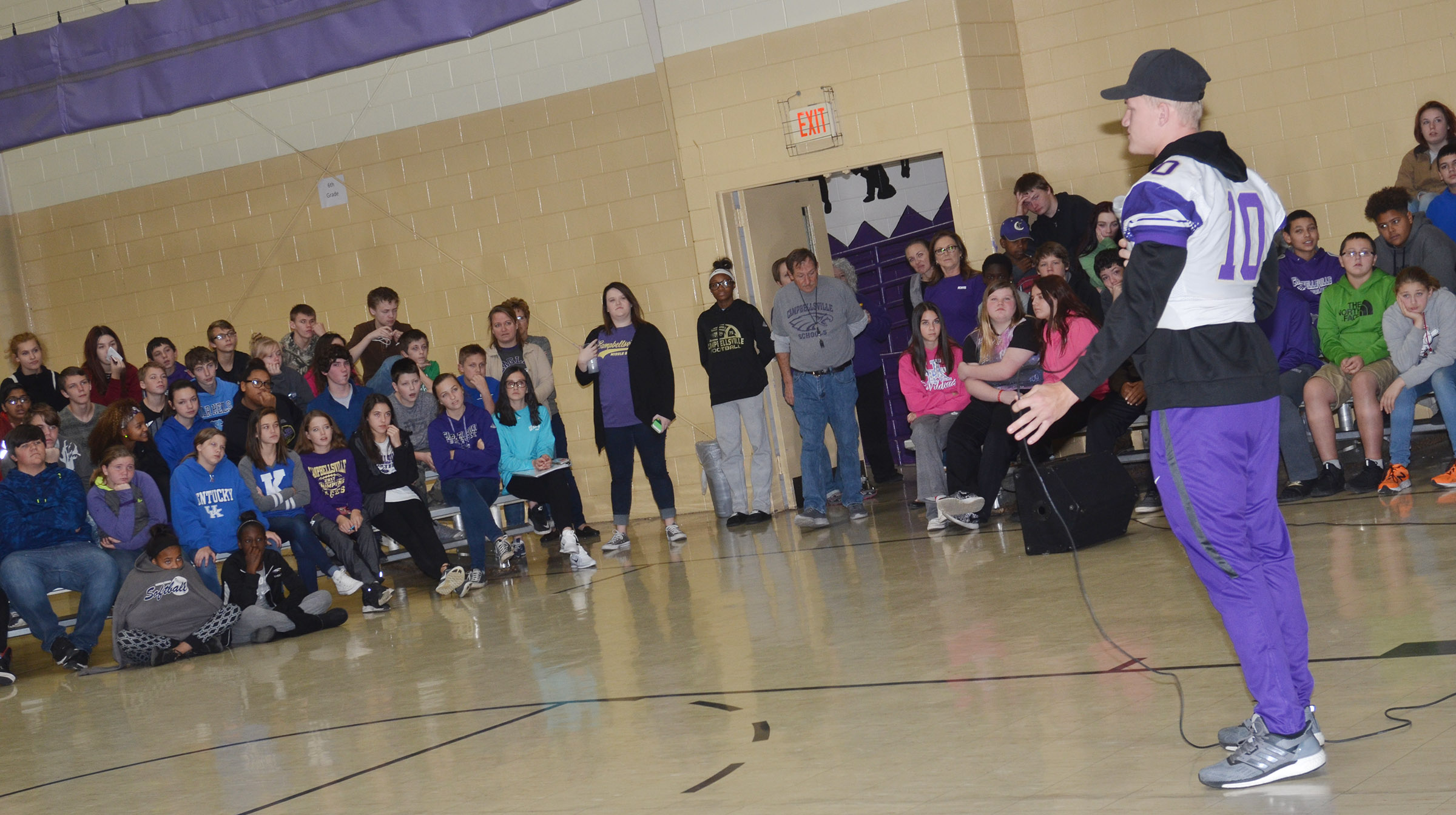 SAGU player C.J. Collins talks to CMS students.
