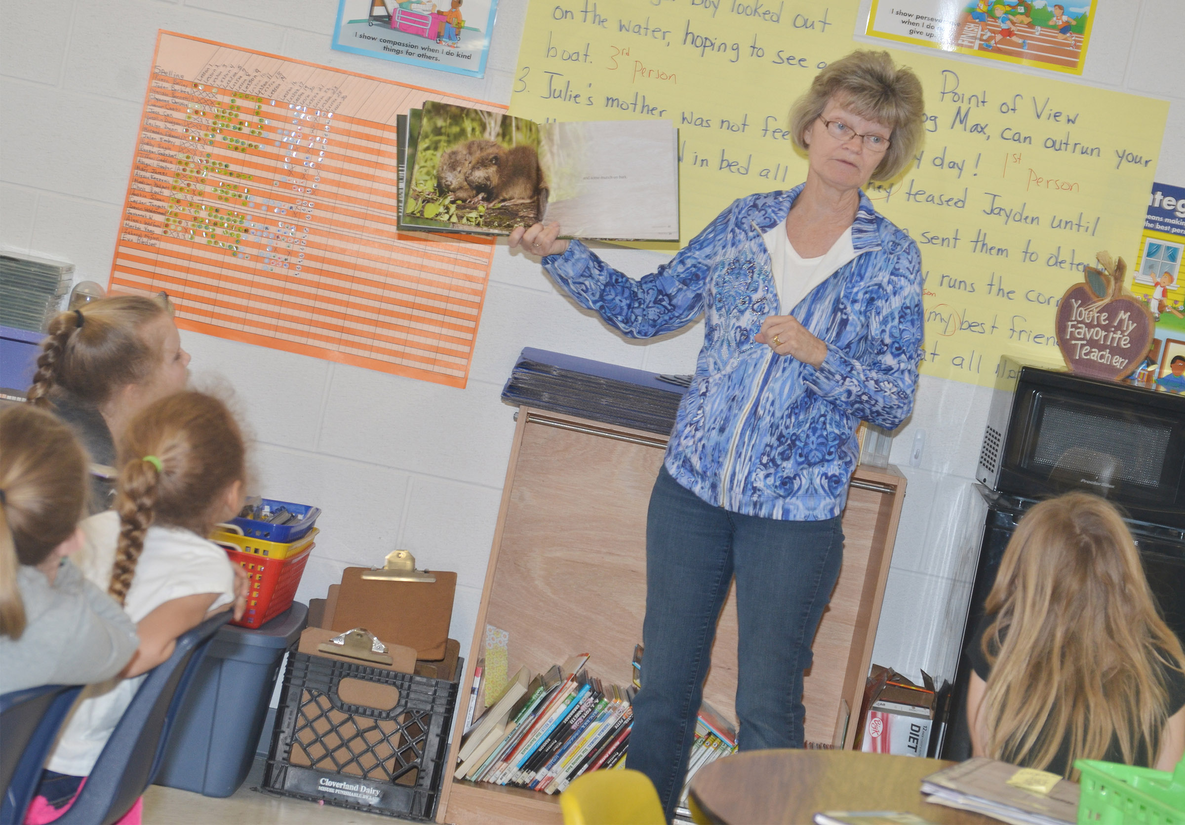 Bonnie Webster reads to CES third-graders.