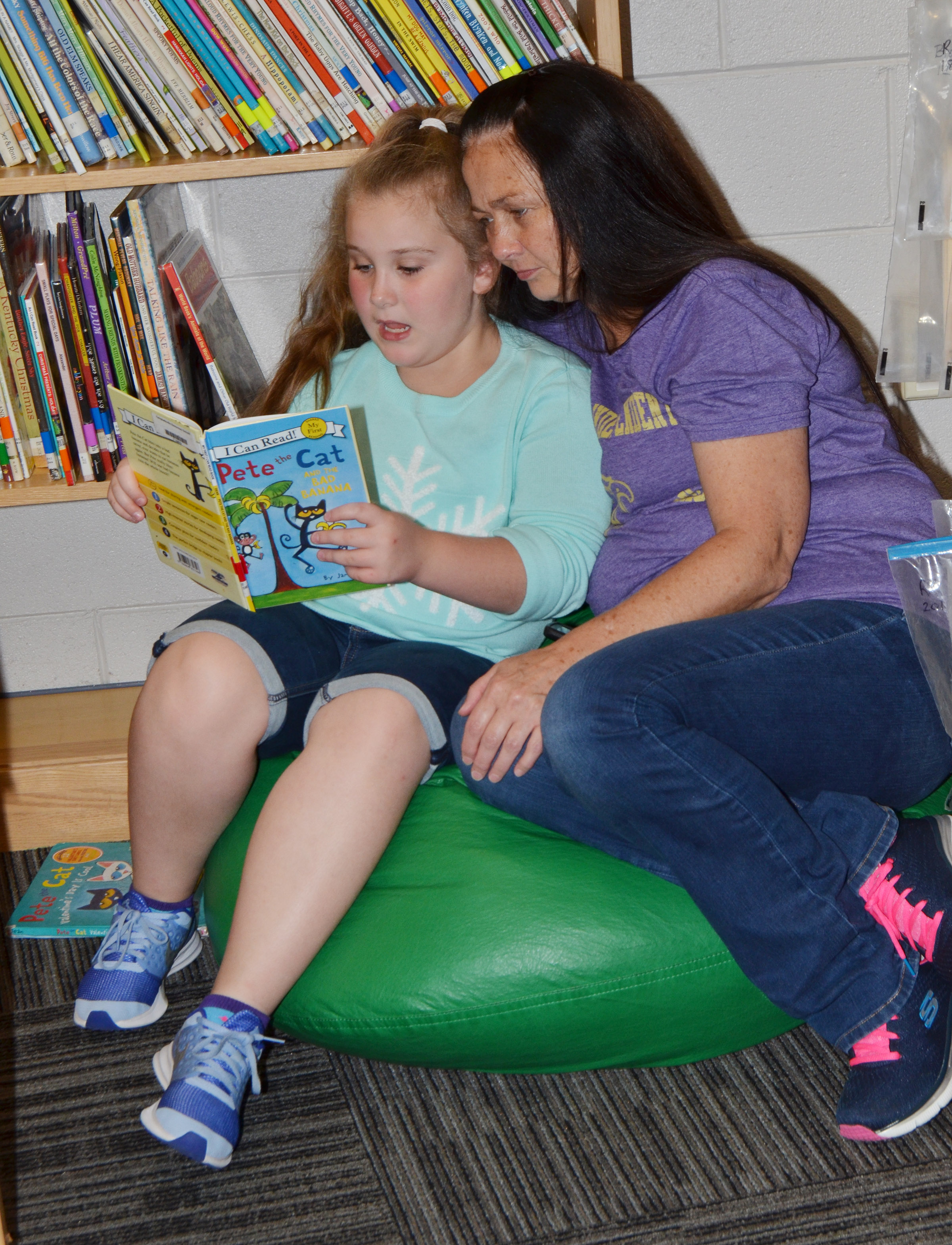 CES fourth-grader Kiera Bailey reads with her grandmother.