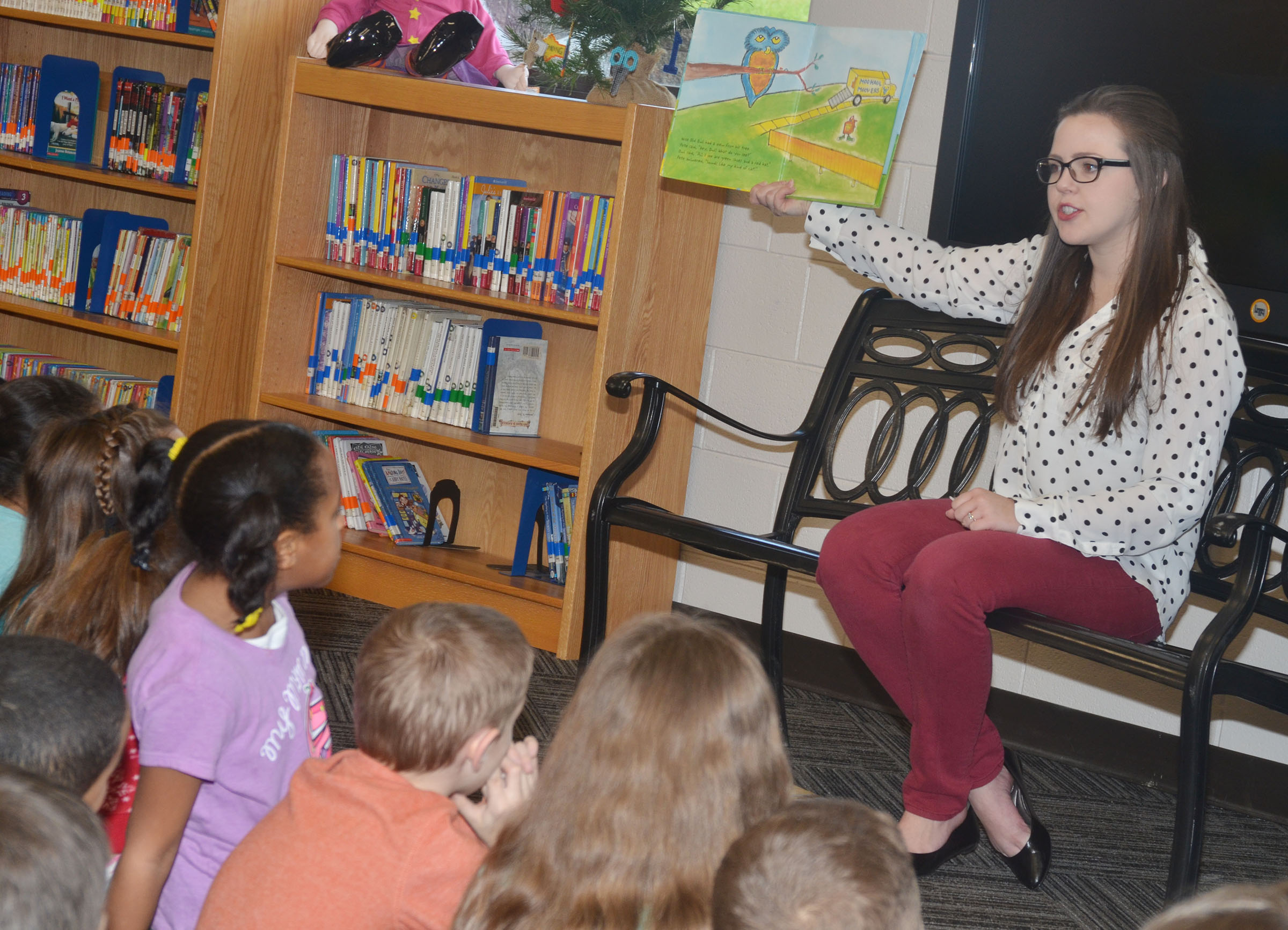 "Amanda Hamilton reads to CES students on ""I Love to Read"" Day."