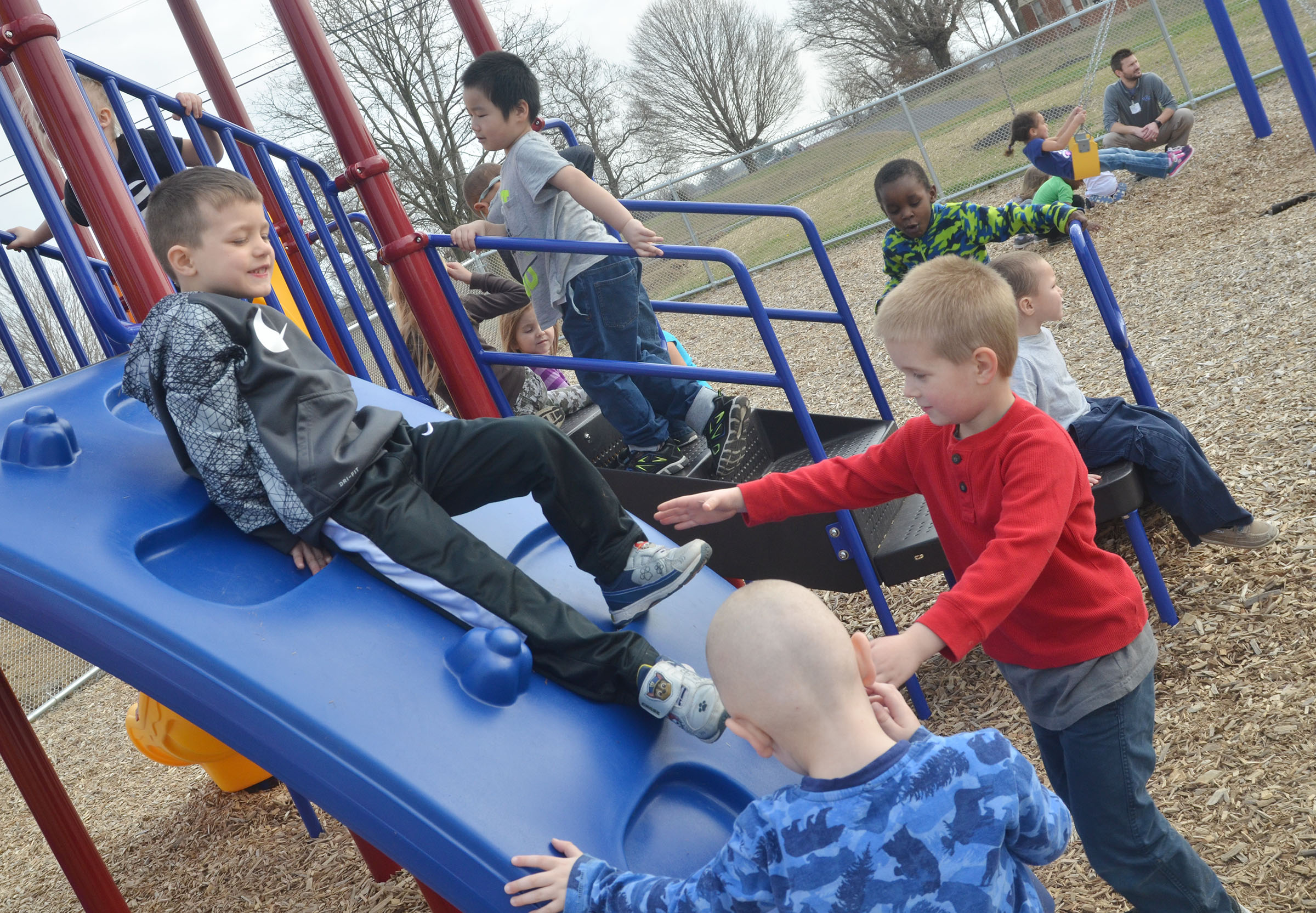 CES preschool students play together.