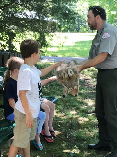 CES students learn about the animals found at Green River Lake.