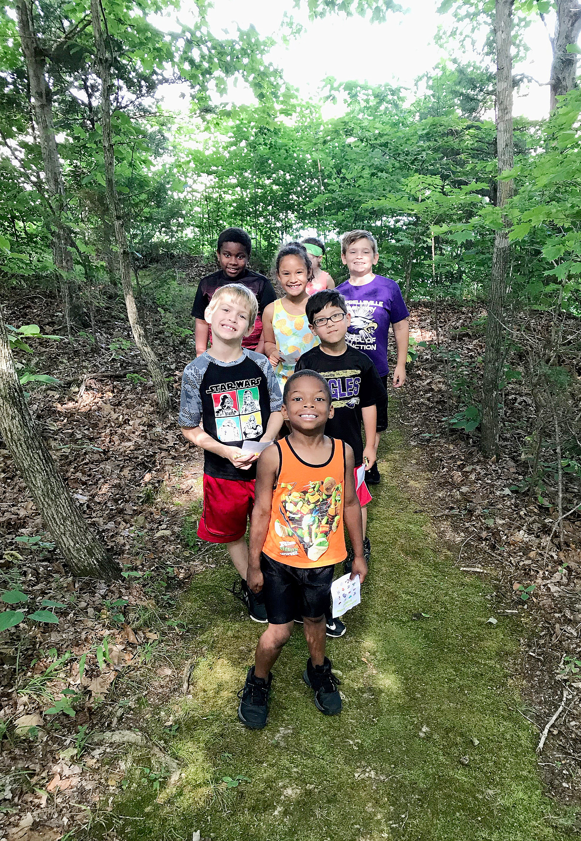 CES students go on a nature hike at Green River Lake.