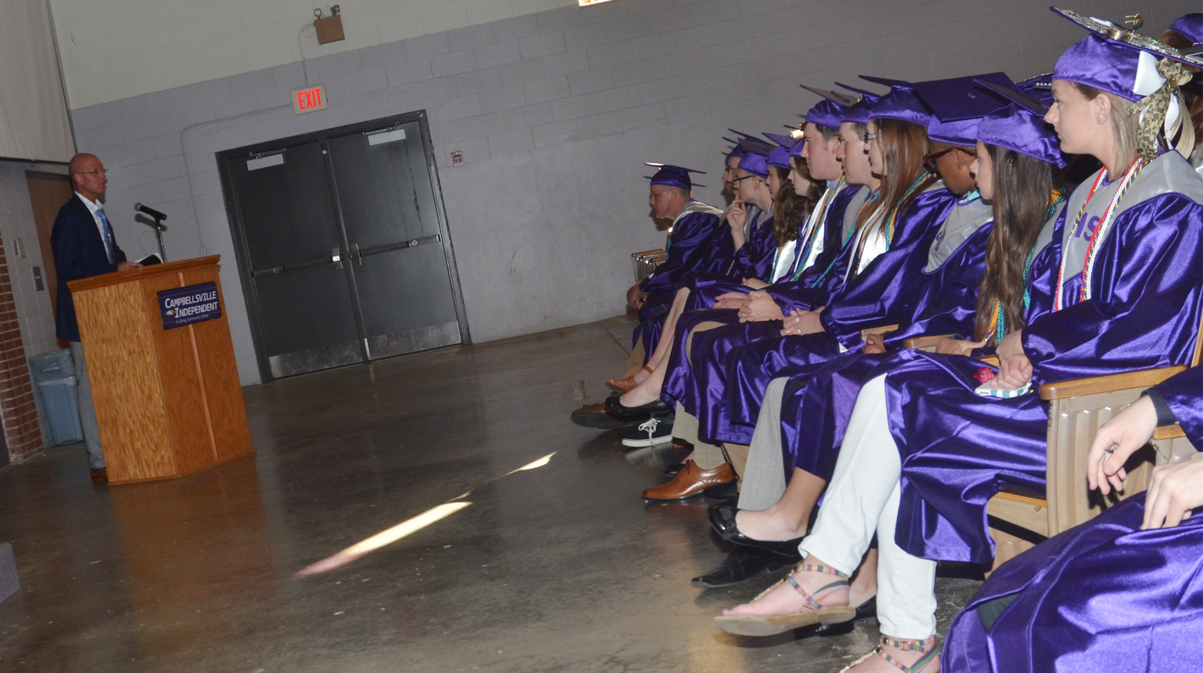 CHS seniors listen as Steve Wagers delivers the baccalaureate message.