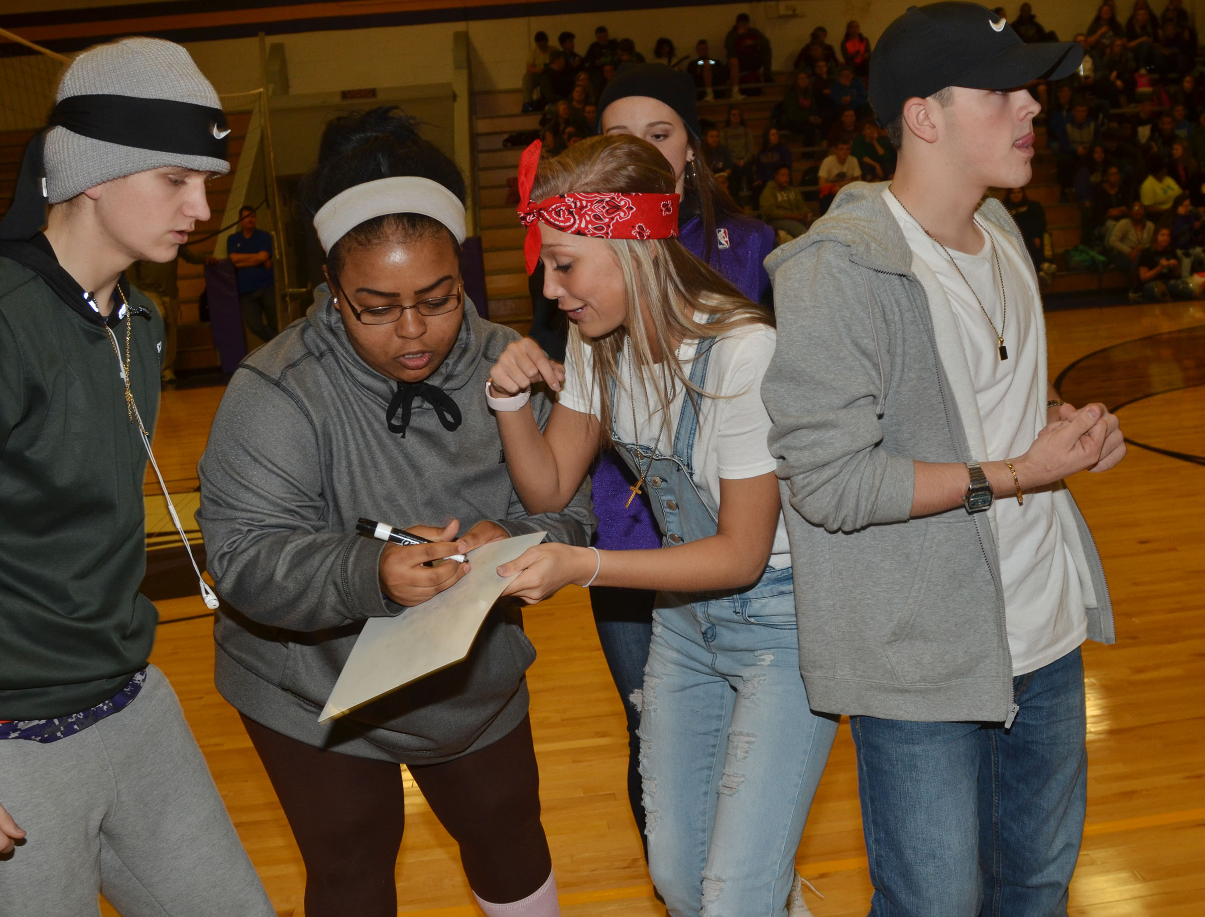 CHS students play the Name That Tune game.