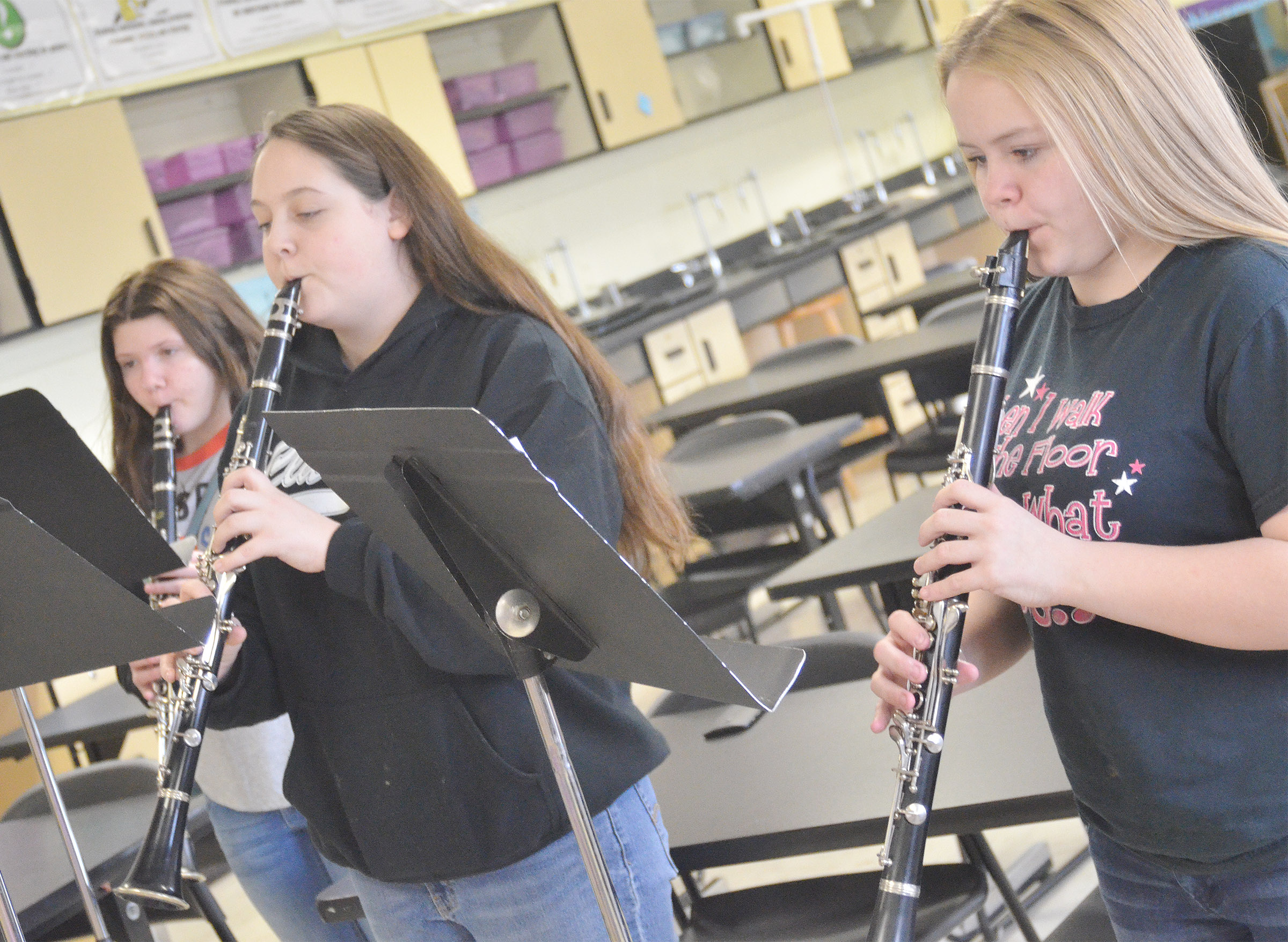 From left, Campbellsville Middle School seventh-grader Skyler Olinski, CHS sophomore Ruby Hatfield and seventh-grader Riley Rainwater practice.