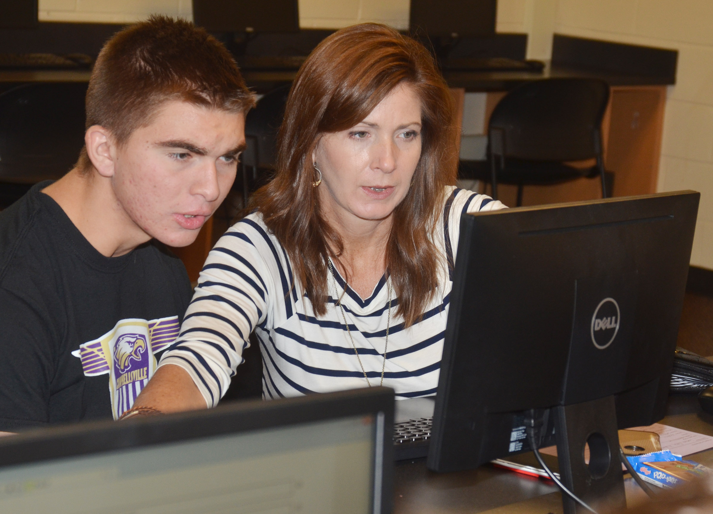 CHS senior Cass Kidwell completes his FAFSA, with help from his mother Christi.