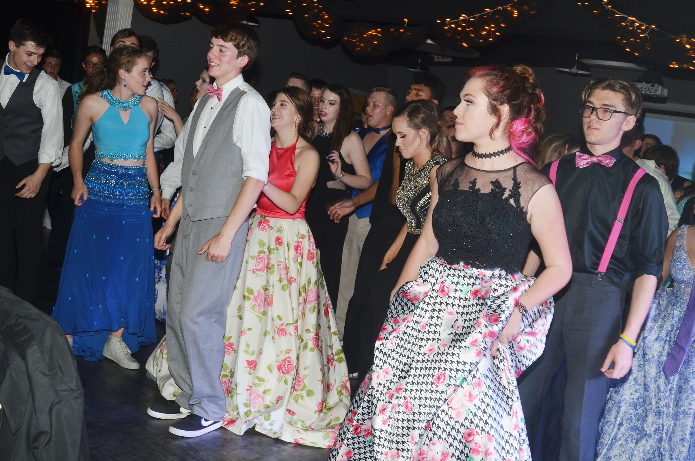 CHS students dance a prom.