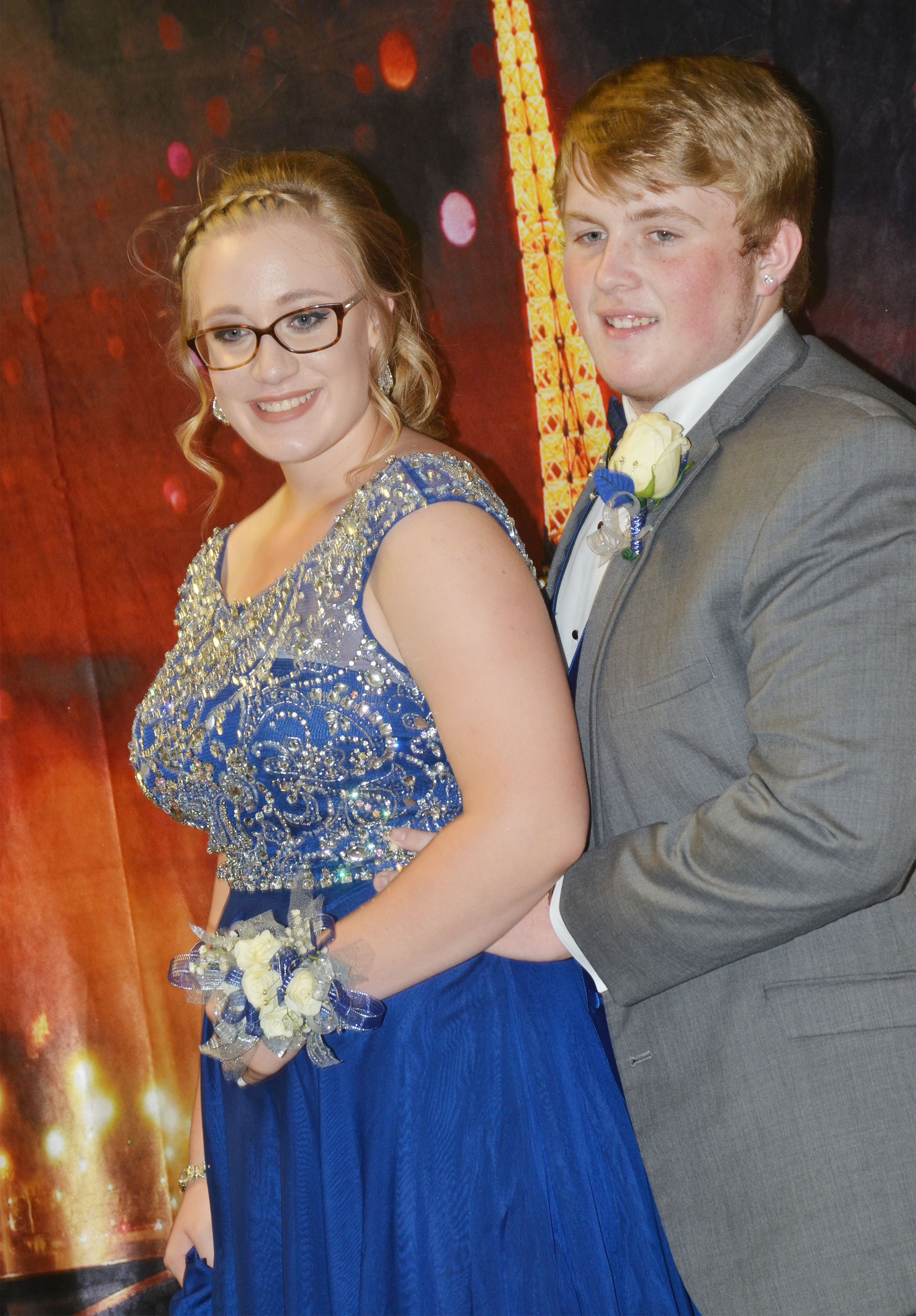CHS sophomore Samantha Johnson and junior Ryan Jeffries pose for a photo.