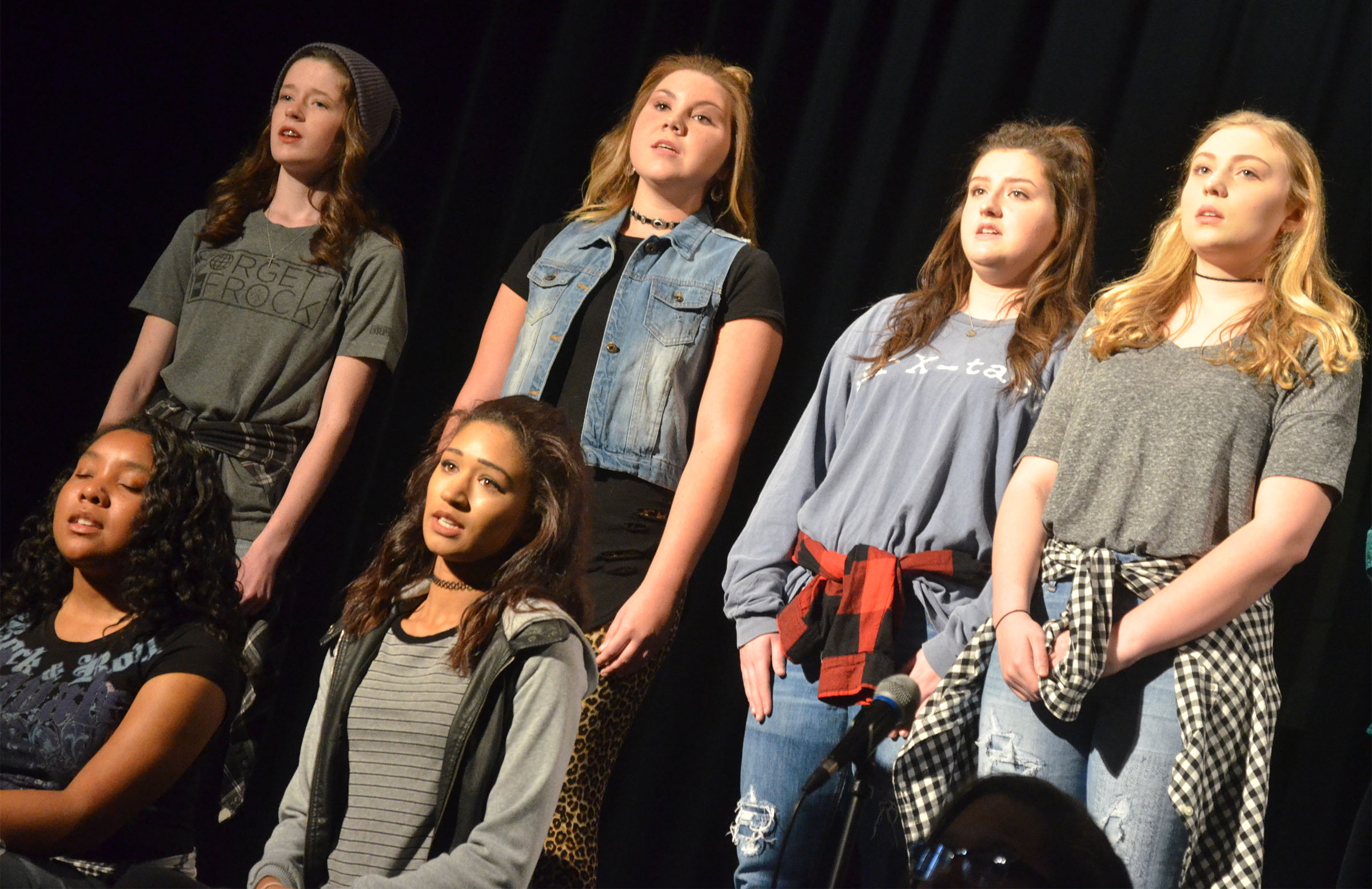 CHS show choir members perform. From left, front, are seniors Kayla Atkinson and Alexis Shears. Back, freshmen Gracyne Hash, Lauryn Agathen, Alli Wilson and Bailey Smith.
