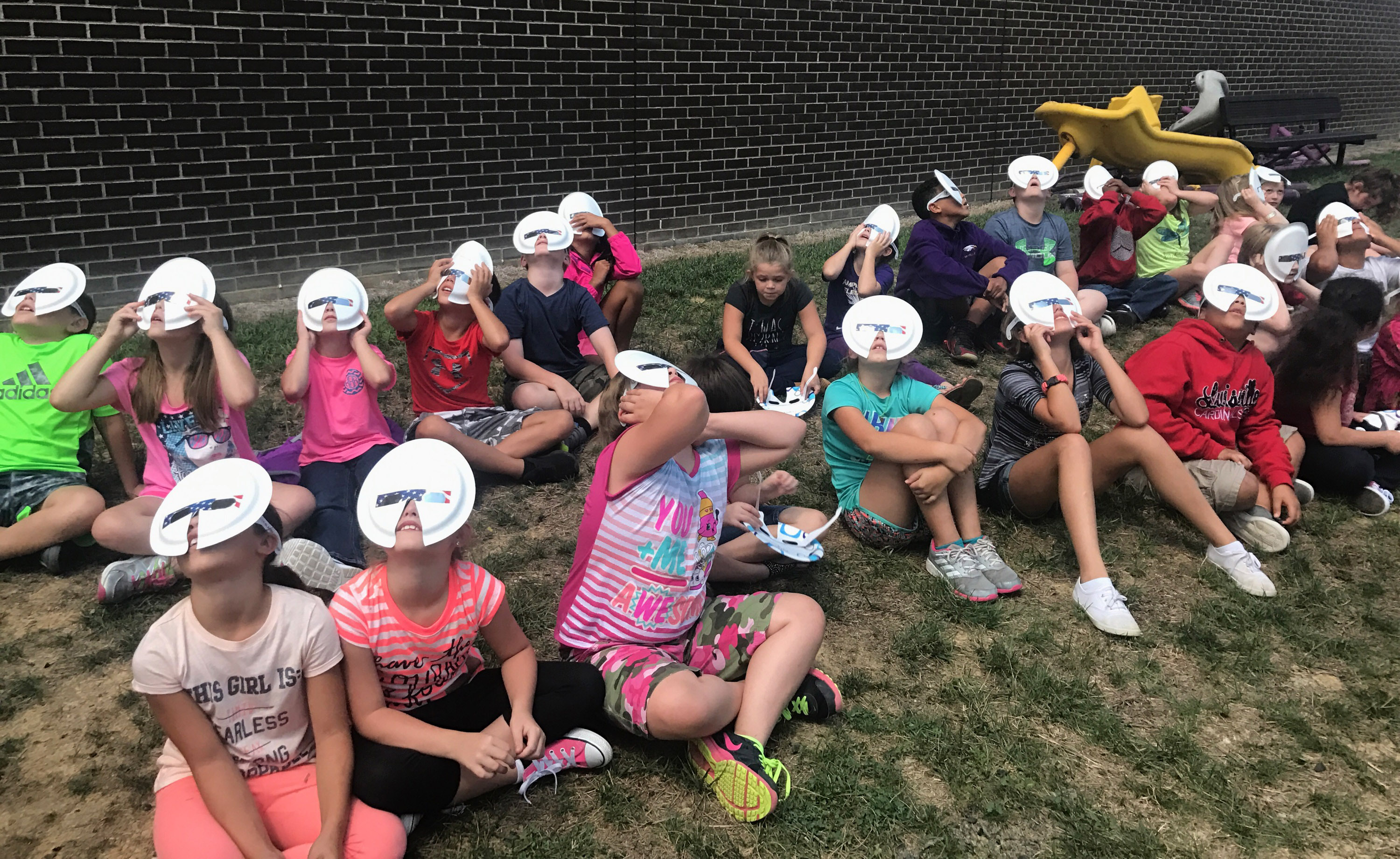 CES fourth-graders view the eclipse.