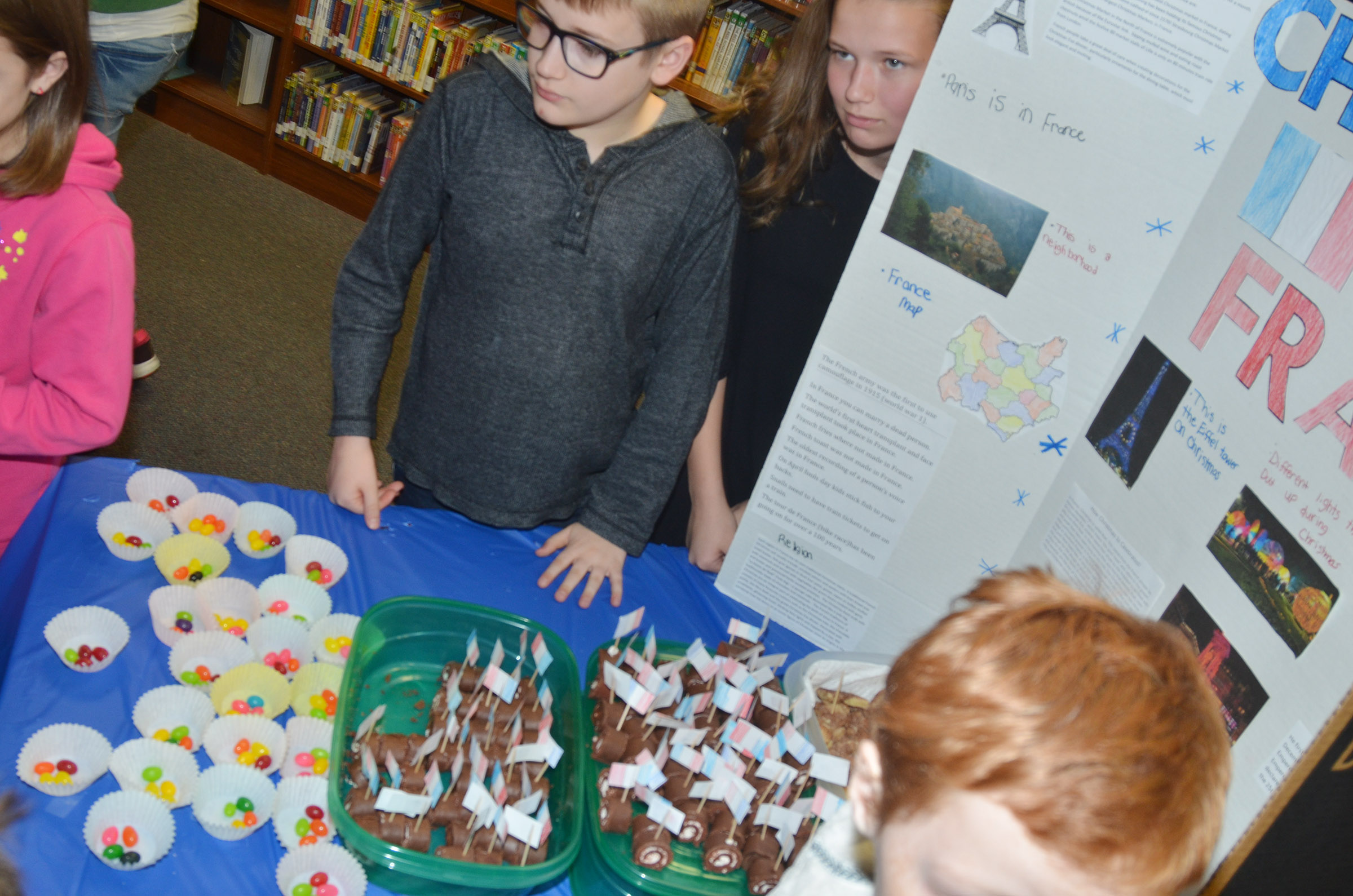 CMS students learn about Christmas traditions in France.