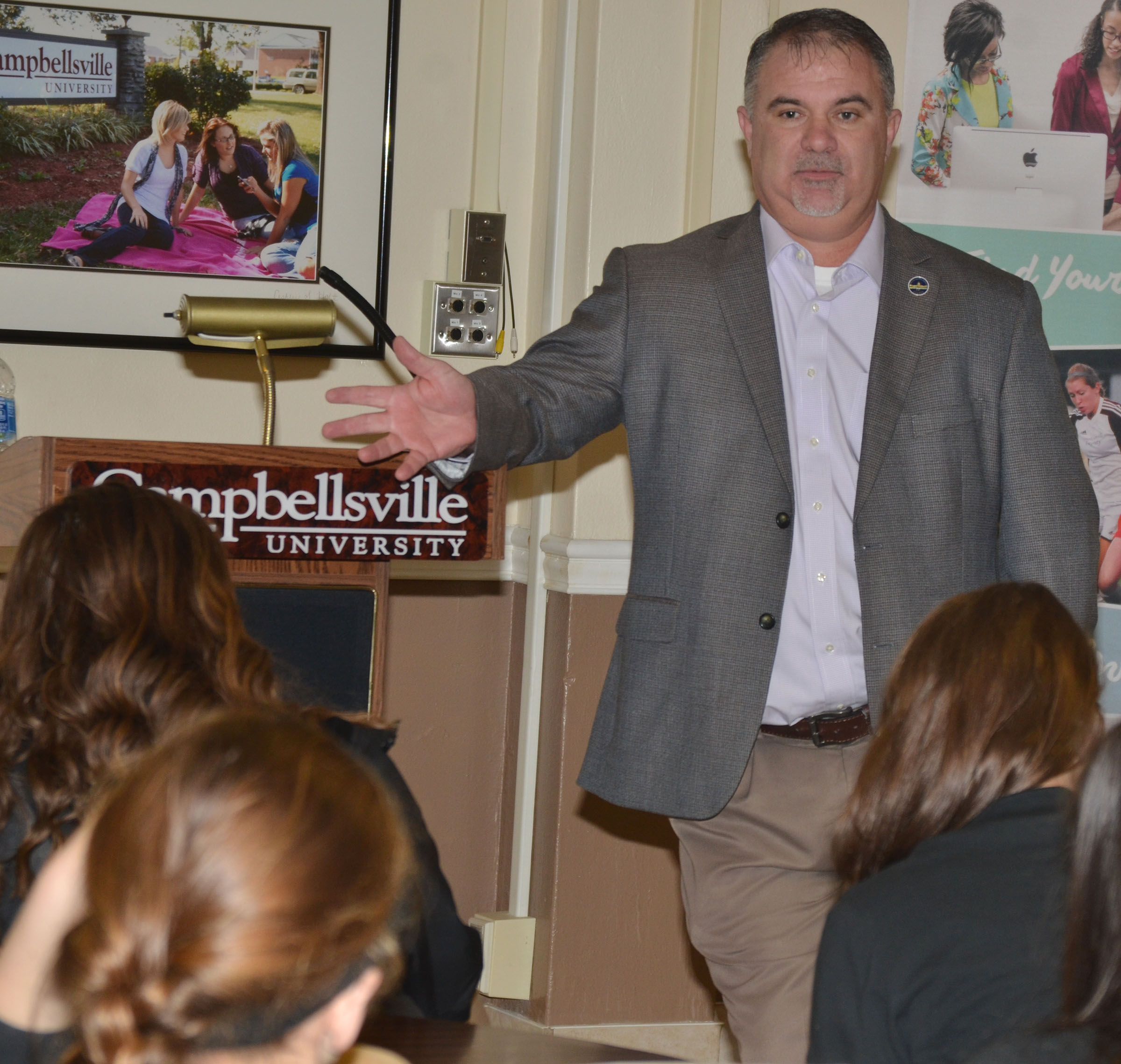 "State Rep. John ""Bam"" Carney, R-Campbellsville, talks to students about this year's legislative session."