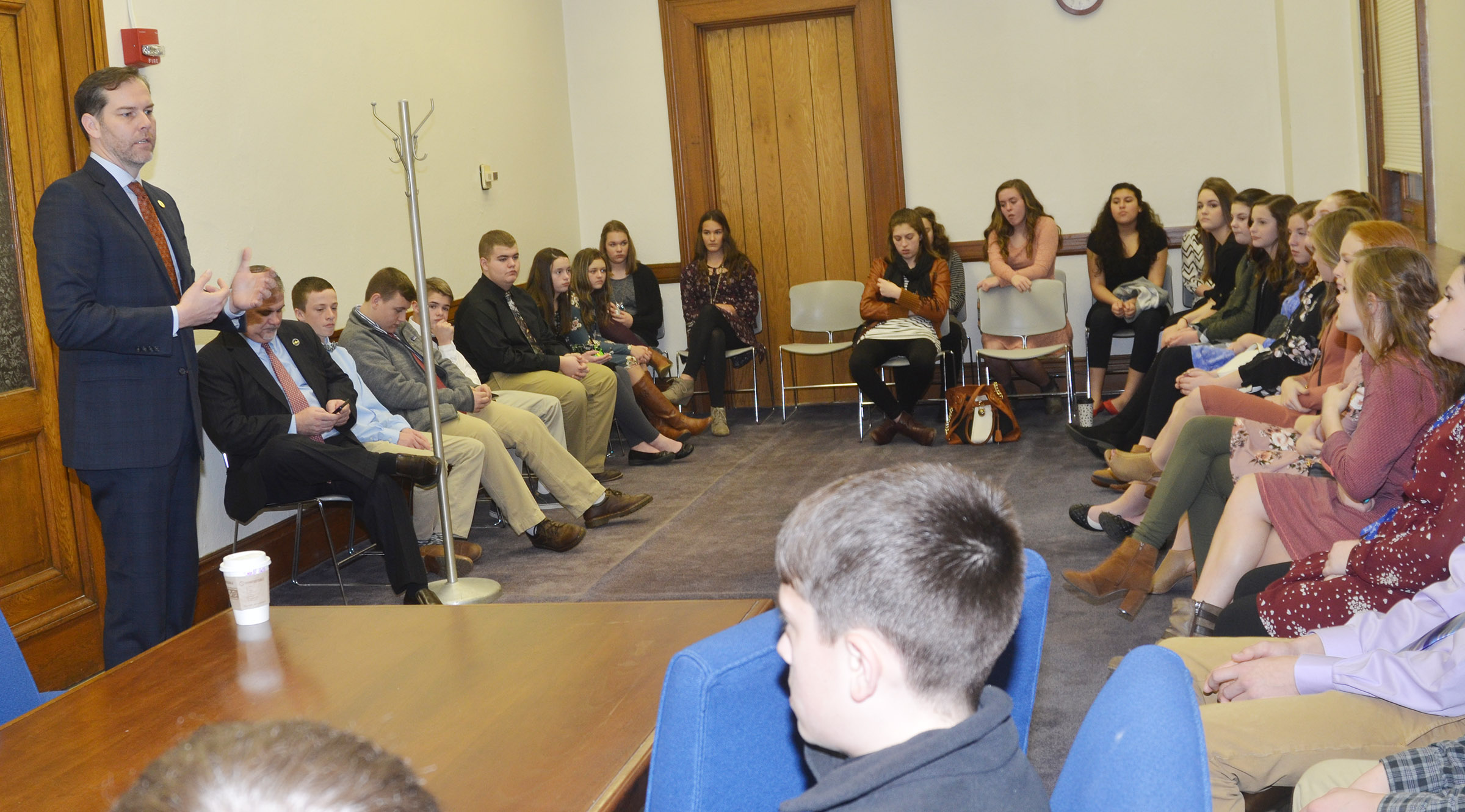 State Sen. Max Wise, R-Campbellsville, talks to CMS leadership students.
