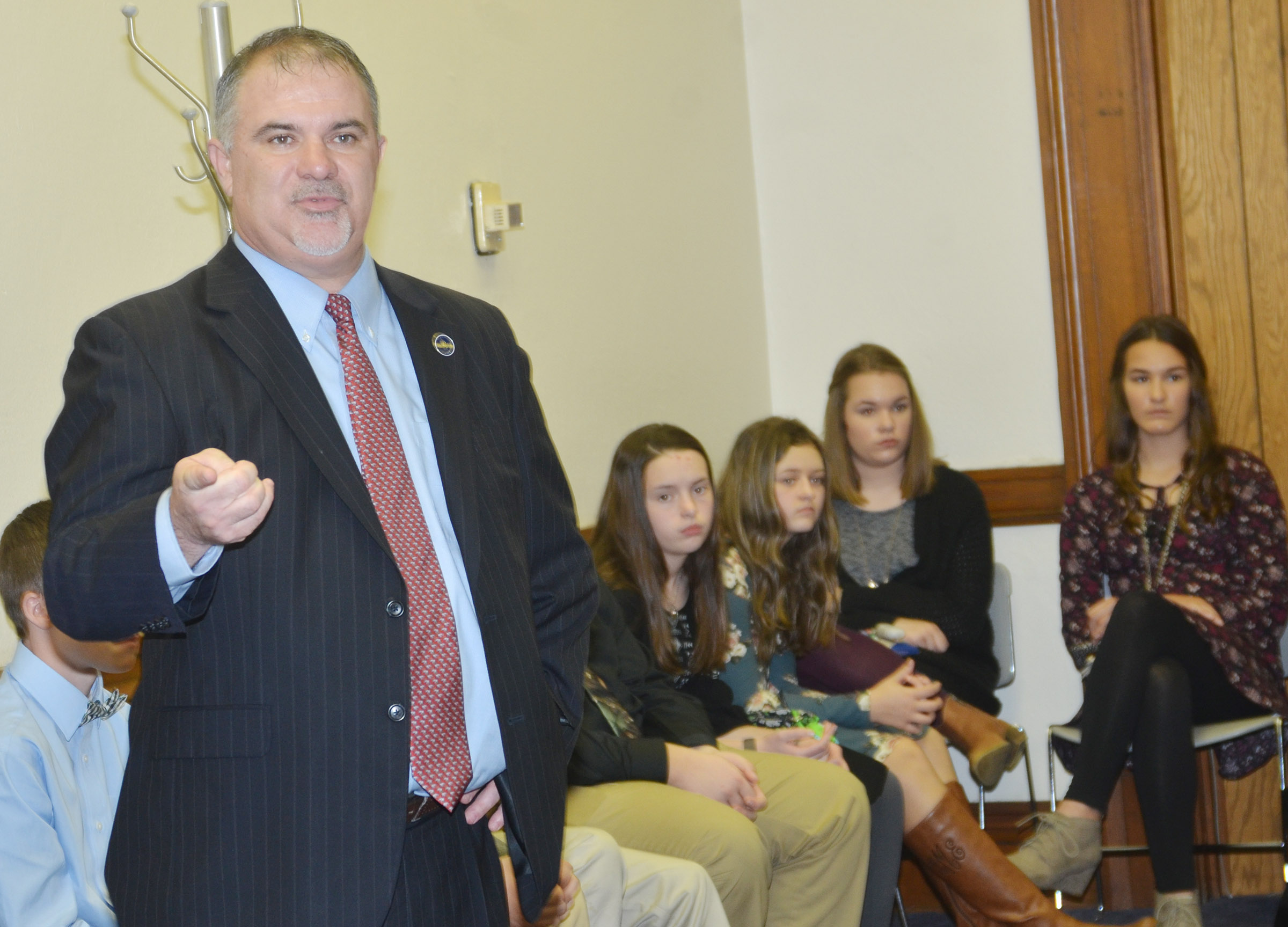 "State Rep. John ""Bam"" Carney, R-Campbellsville, talks to CMS leadership students."